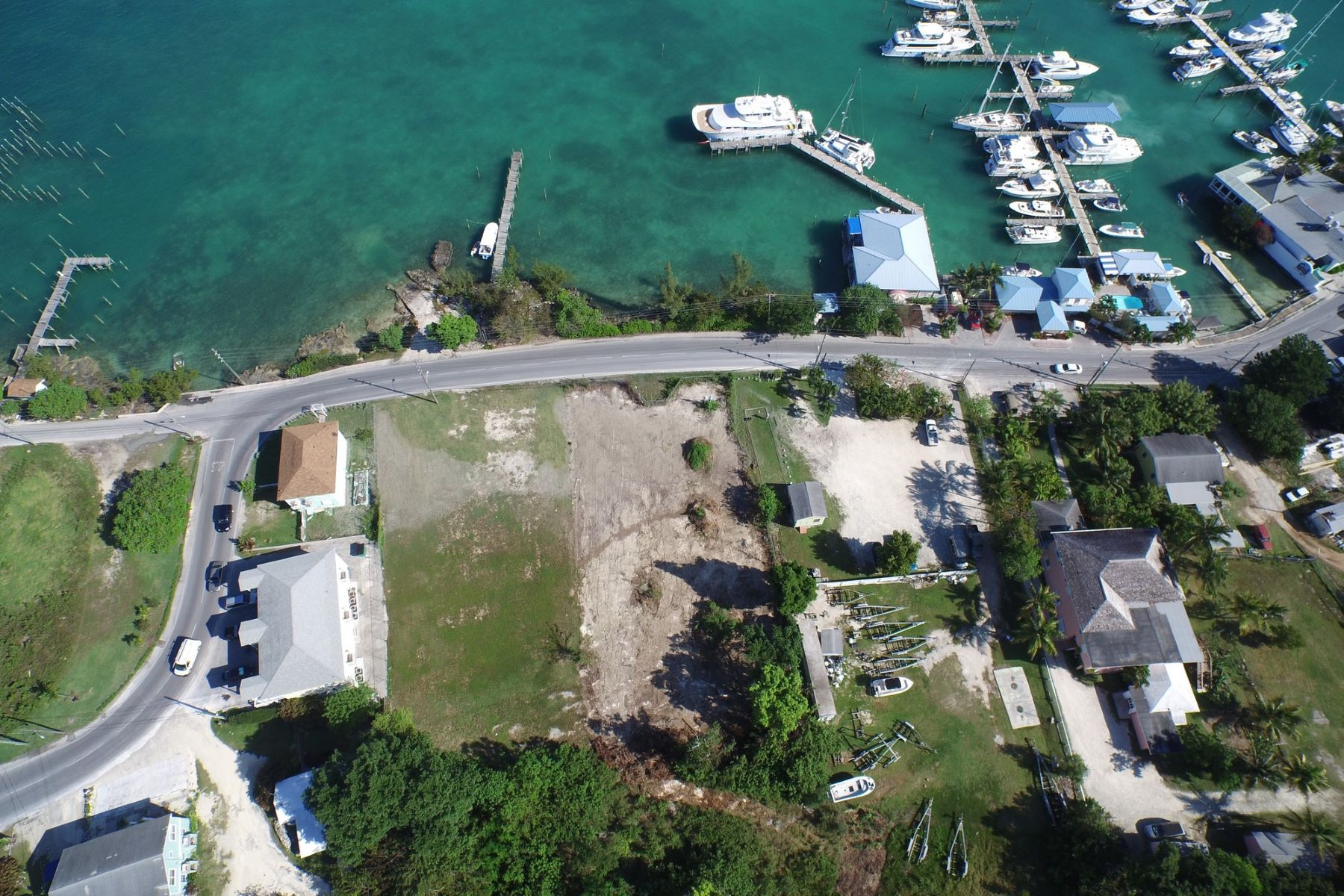 Additional photo for property listing at Sadie's Place East Bay Street Marsh Harbour, Abaco . Bahamas