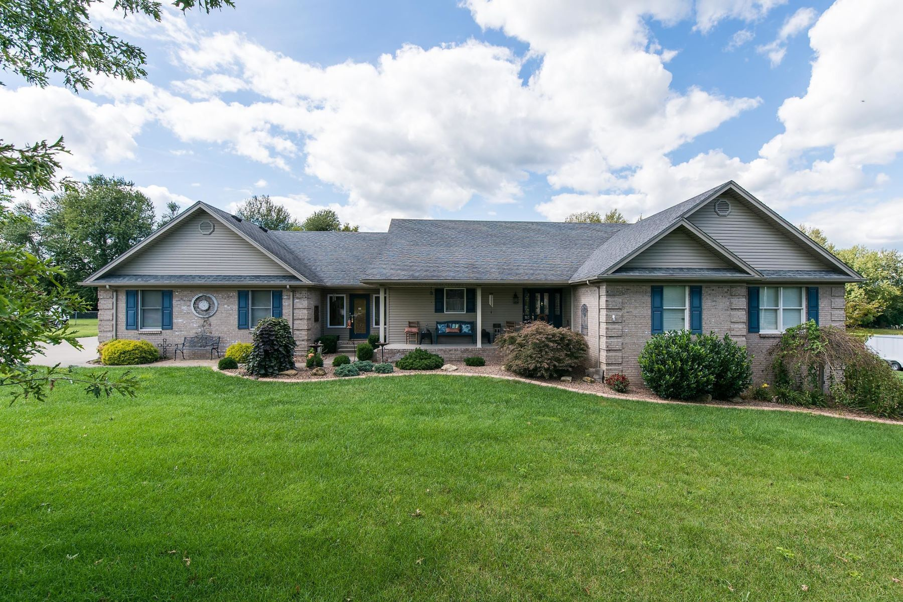 Single Family Home for Sale at 113 Greystone Court Nicholasville, Kentucky 40356 United States