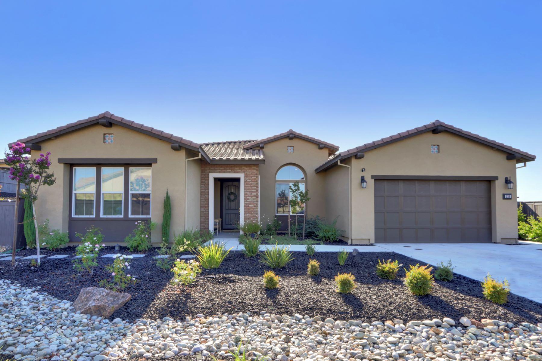 Single Family Homes 为 销售 在 230 Corte Colinas Verdes, Lincoln, CA 95648 230 Corte Colinas Verdes Lincoln, 加利福尼亚州 95648 美国