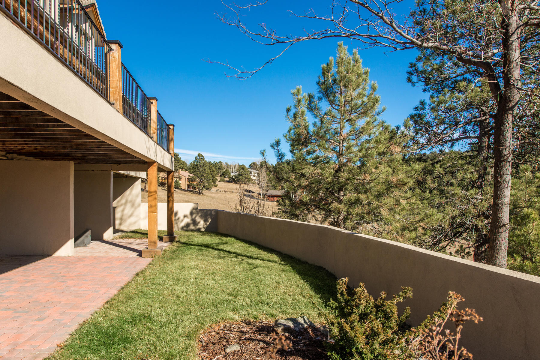 Additional photo for property listing at Post and Beam Remodeled Custom Home 1662 Sand Lily Drive Golden, Colorado 80401 United States