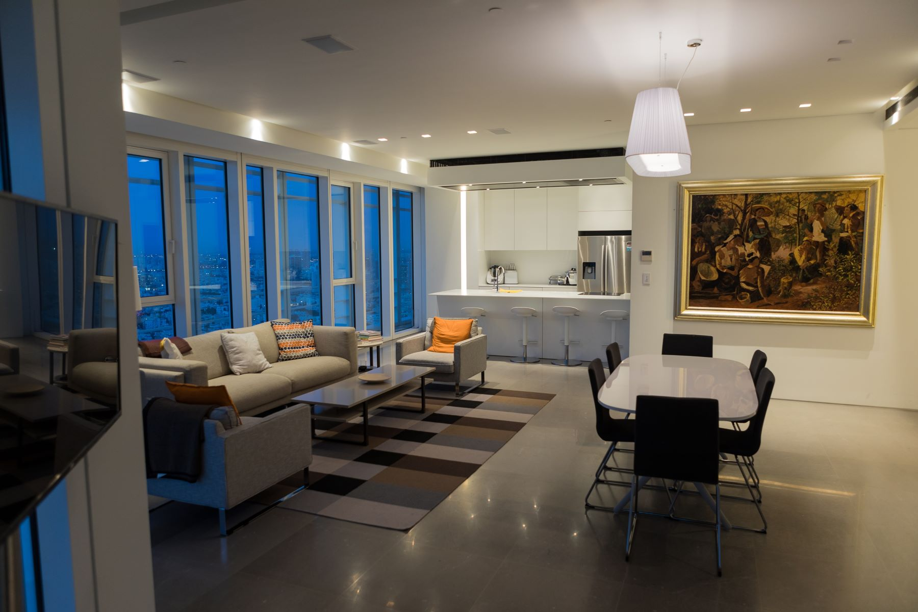 Additional photo for property listing at Sea View Designer Apartment on Rothschild Boulevard Tel Aviv, Israel Israël