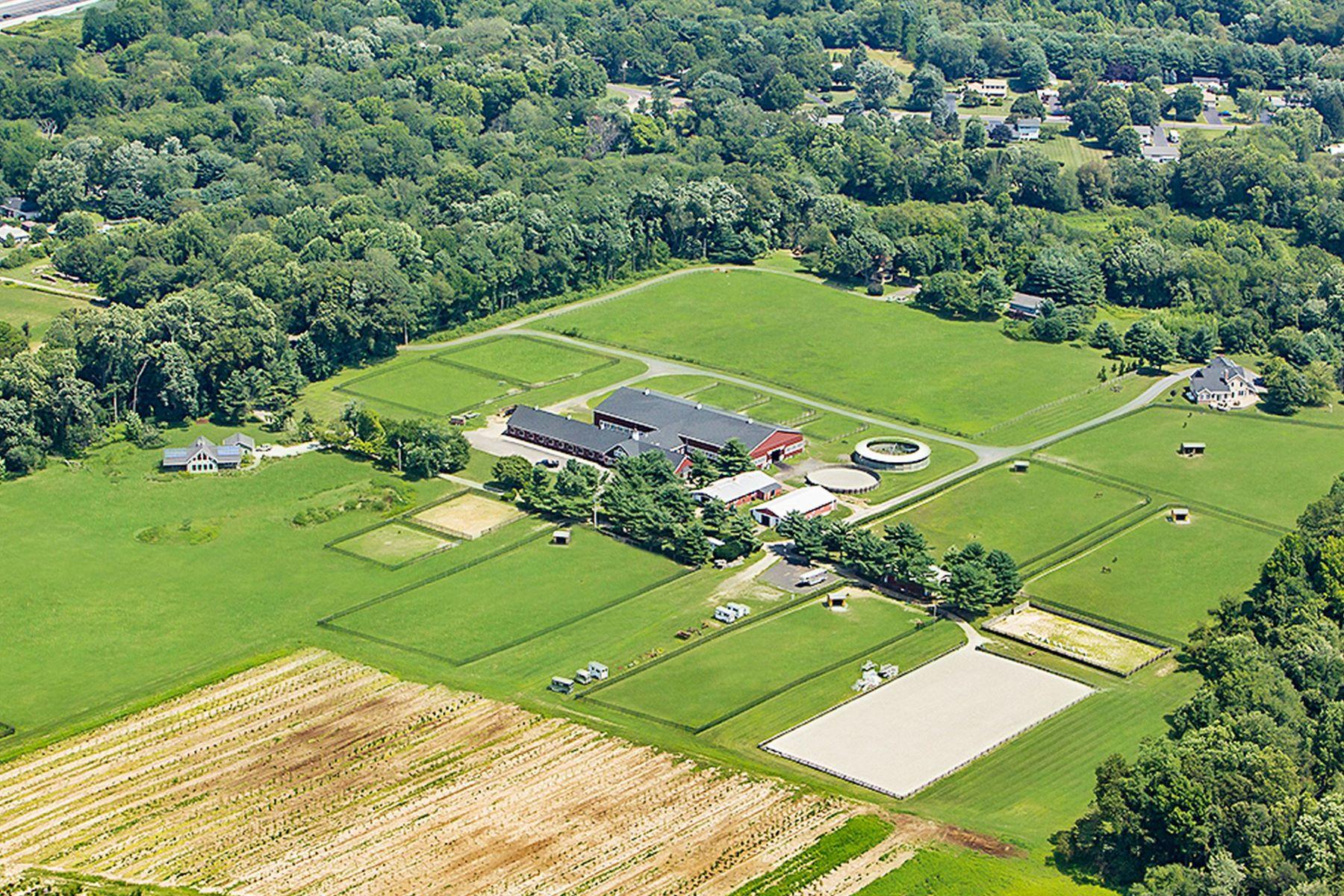 Ferme / Ranch / Plantation pour l Vente à Hay Fever Farm with 2 Residences 296 Sharon Road, Robbinsville, New Jersey 08691 États-Unis