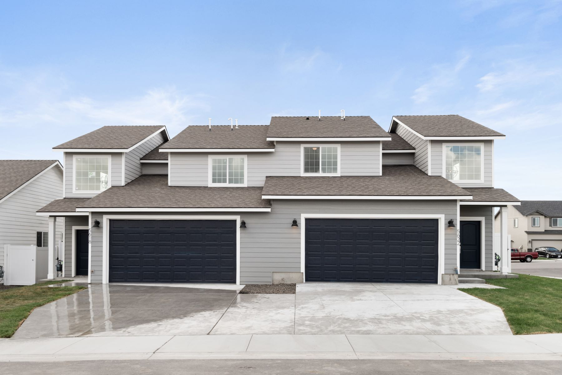 townhouses for Sale at New, Gorgeous, with a VIEW 5410 AND 5414 Remington Drive Pasco, Washington 99301 United States