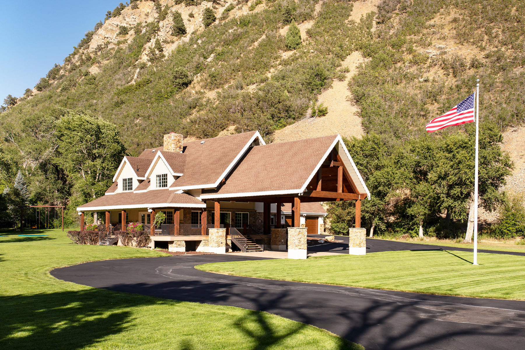 Single Family Homes for Active at Stunning Mountain Contemporary Home in Hobble Creek Canyon 757 S Hobble Creek Canyon Springville, Utah 84663 United States