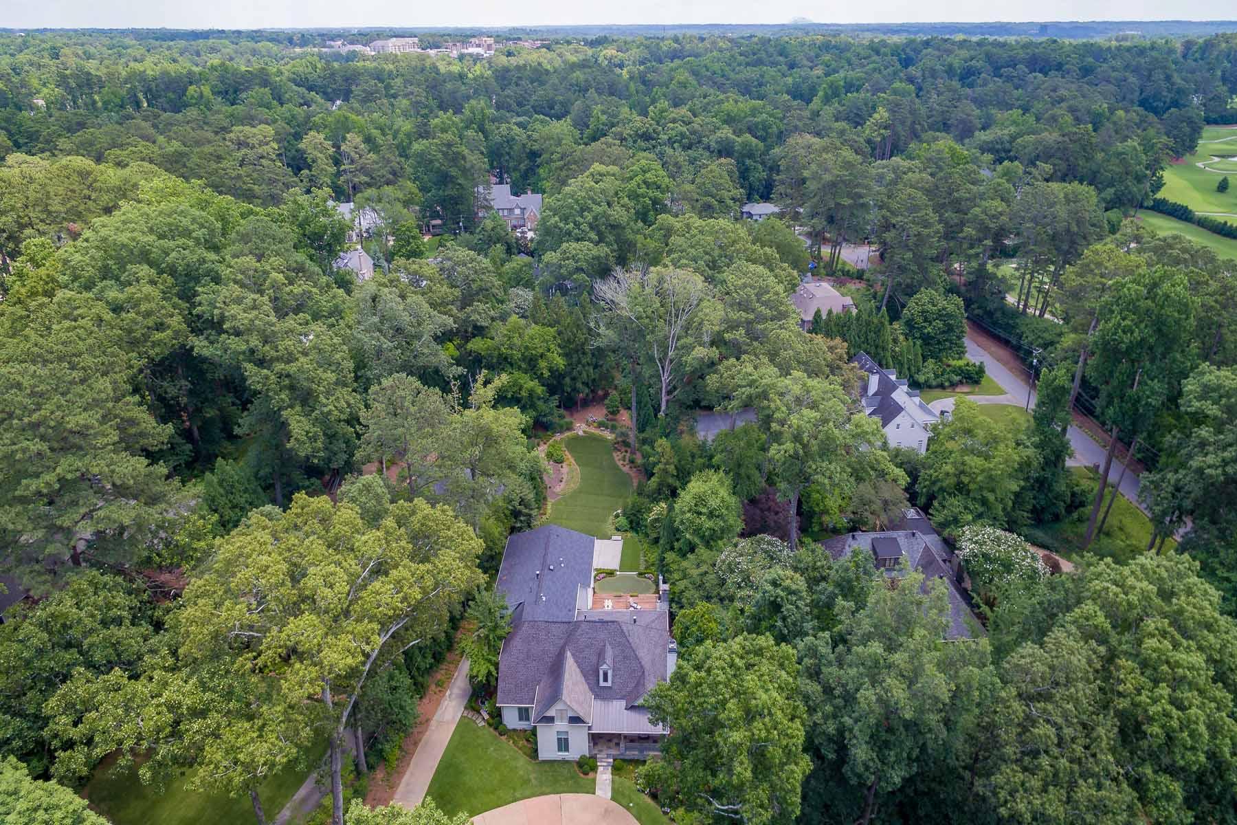 Nhà ở một gia đình vì Bán tại Beautifully Renovated and Painted 4 Sides Brick Home 4243 Lakehaven Drive NE Brookhaven, Atlanta, Georgia, 30319 Hoa Kỳ