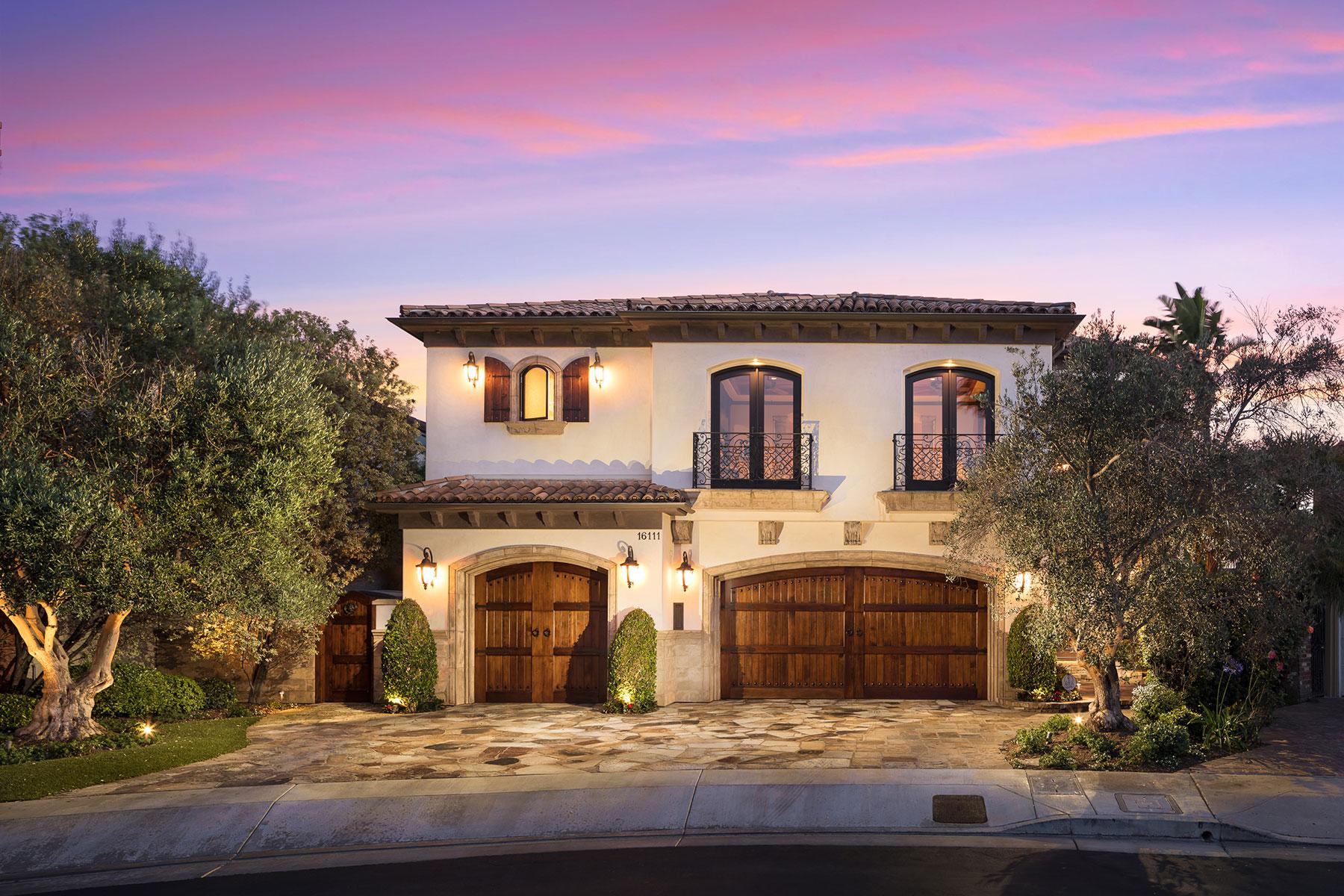Casa Unifamiliar por un Venta en 16111 Santa Barbara Huntington Beach, California, 92649 Estados Unidos