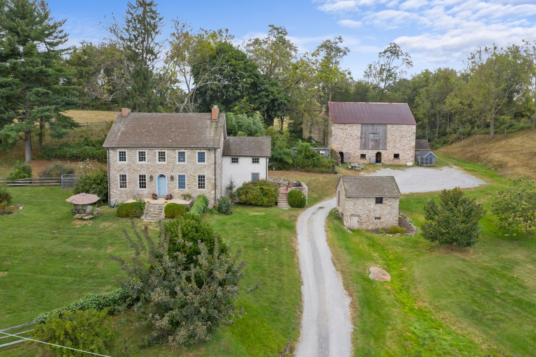 Single Family Homes por un Venta en Sure Find Farm - 346 Apple Grove Rd., Coatesville, PA 19320 Coatesville, Pennsylvania 19320 Estados Unidos