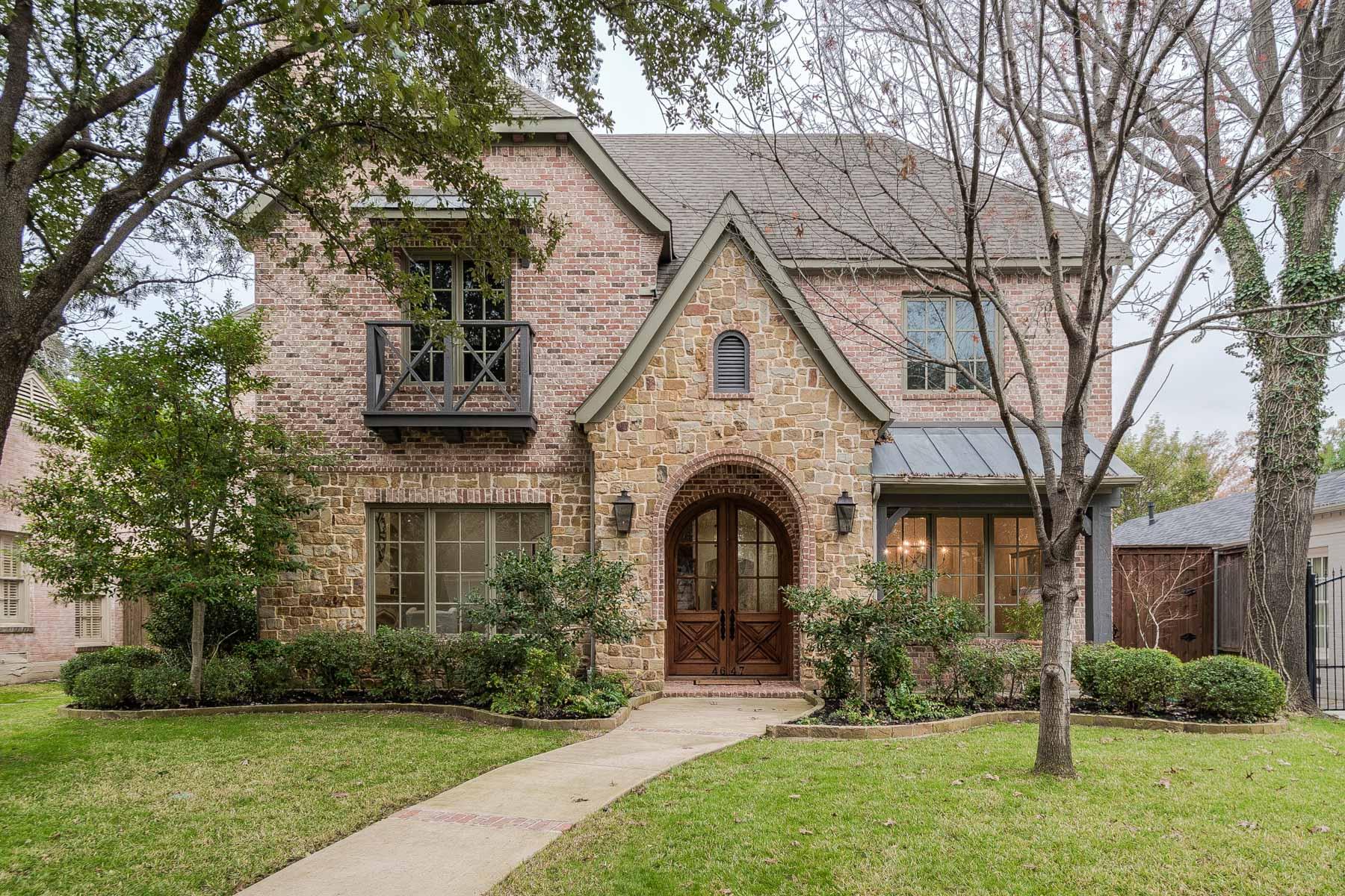 Maison unifamiliale pour l à vendre à West Highland Park Traditional 4647 S. Versailles Avenue, Highland Park, Texas, 75209 États-Unis