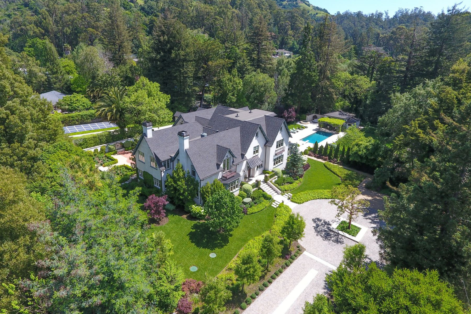 獨棟家庭住宅 為 出售 在 Historic Grandeur Meets Contemporary Elegance 120 Mountain View Ave San Rafael, 加利福尼亞州, 94901 美國