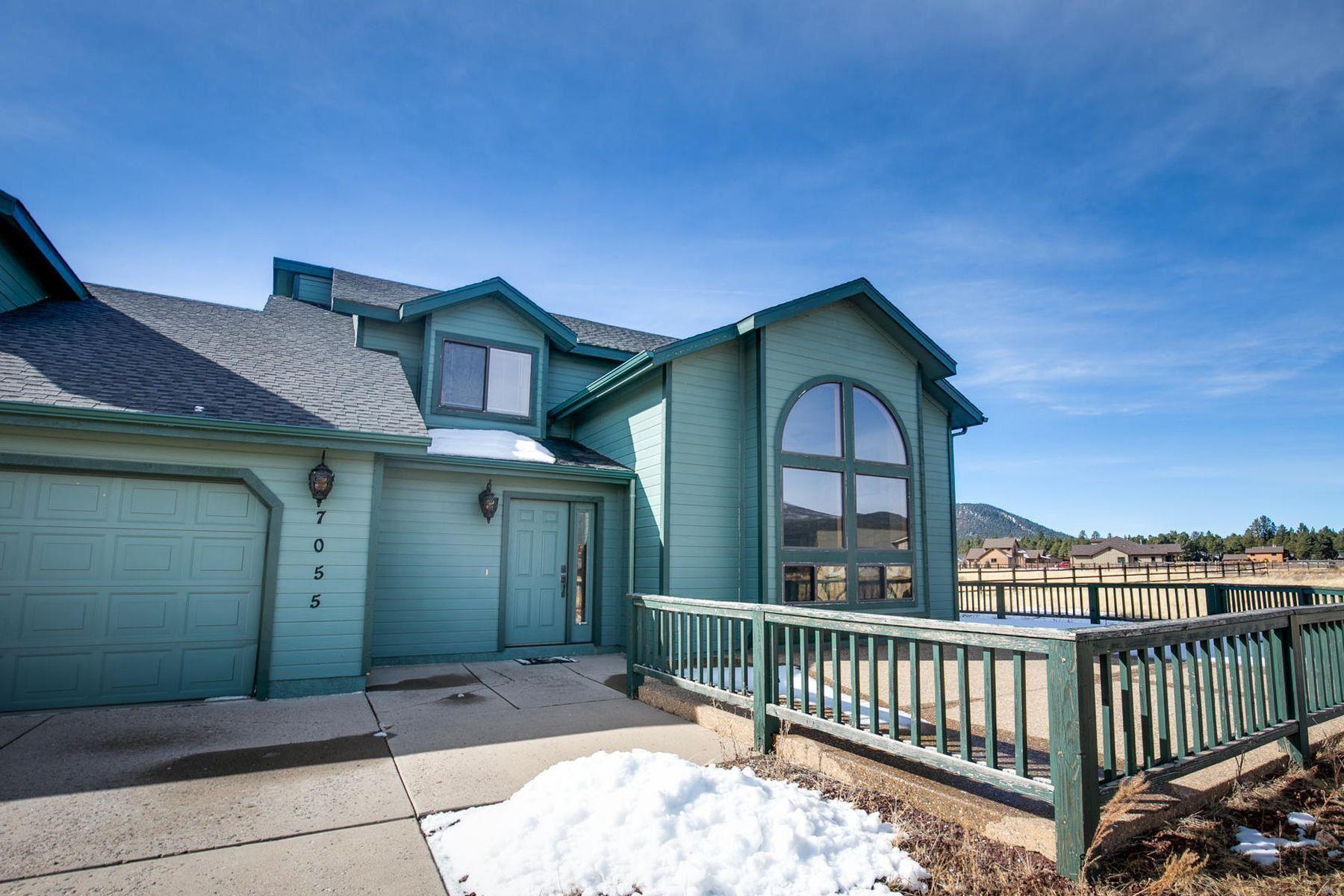 واحد منزل الأسرة للـ Sale في Gorgeous home with spectacular views 7055 N Greene Ln, Flagstaff, Arizona, 86001 United States