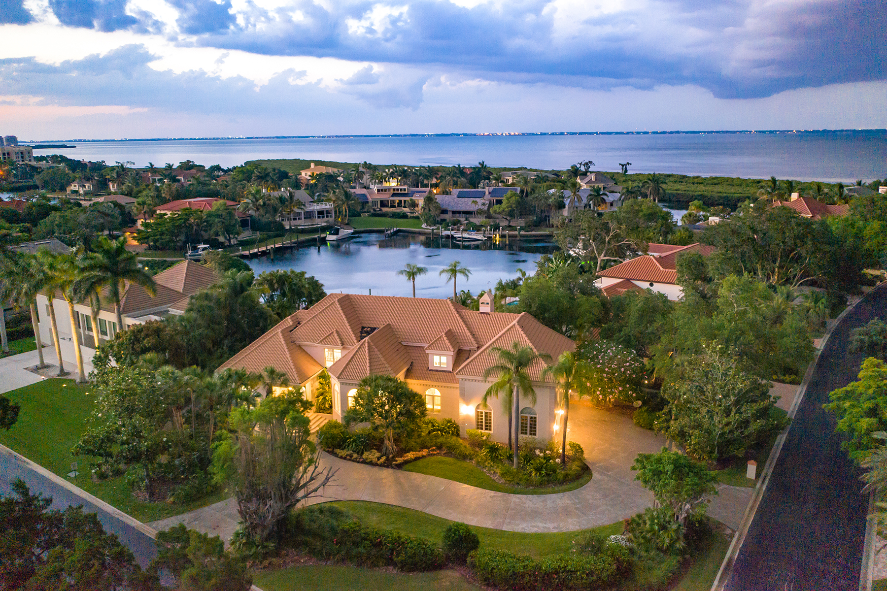 Single Family Homes por un Venta en BAY ISLES 501 Harbor Point Rd, Longboat Key, Florida 34228 Estados Unidos