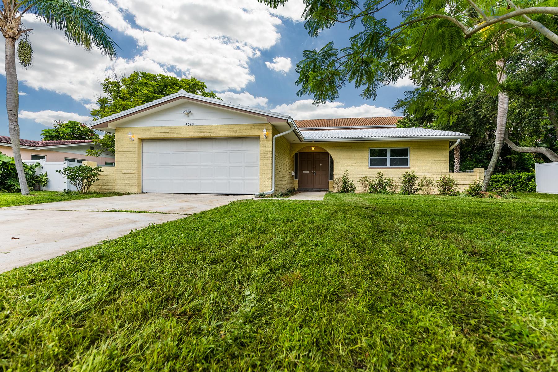 Vivienda unifamiliar por un Venta en ST PETERSBURG 4610 Bayshore Blvd NE St. Petersburg, Florida 33703 Estados Unidos