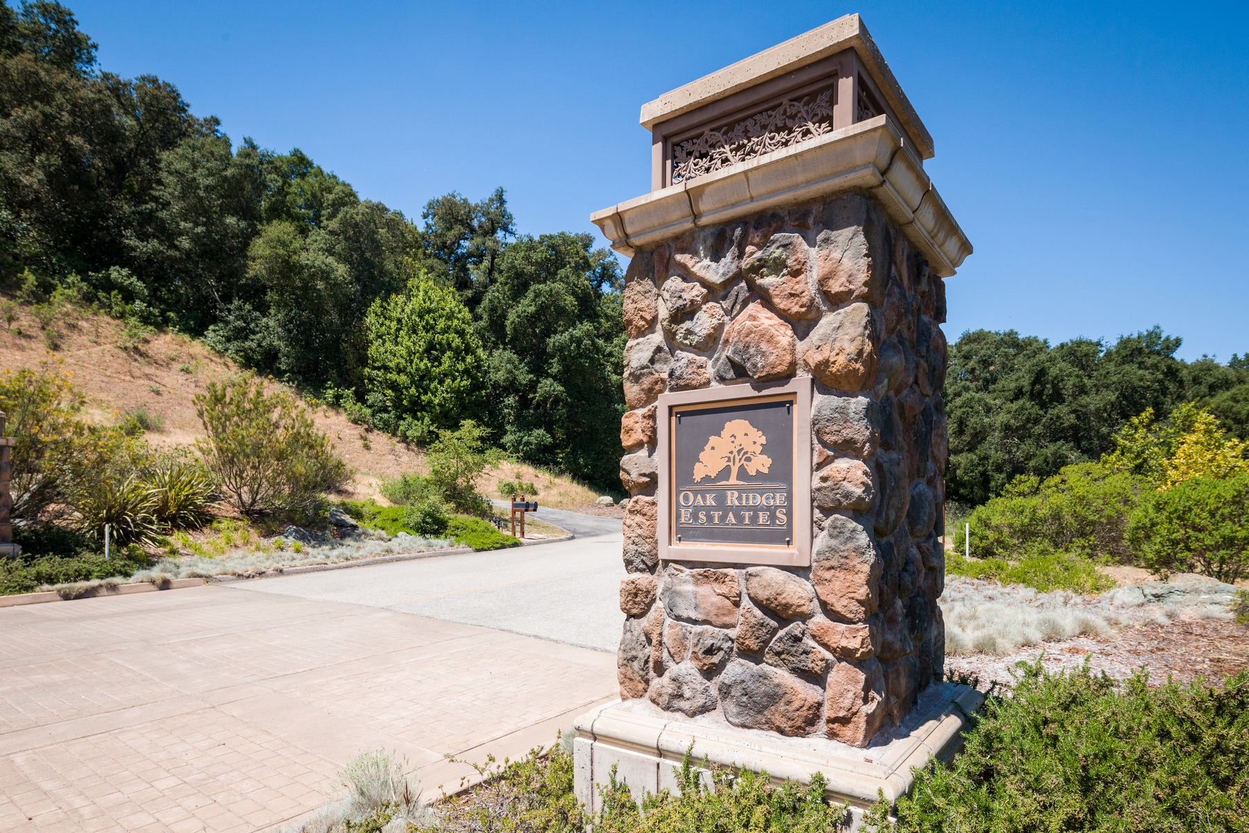 Additional photo for property listing at Private Hilltop Escape 12275 San Marcos Rd Atascadero, Kalifornien 93422 Vereinigte Staaten