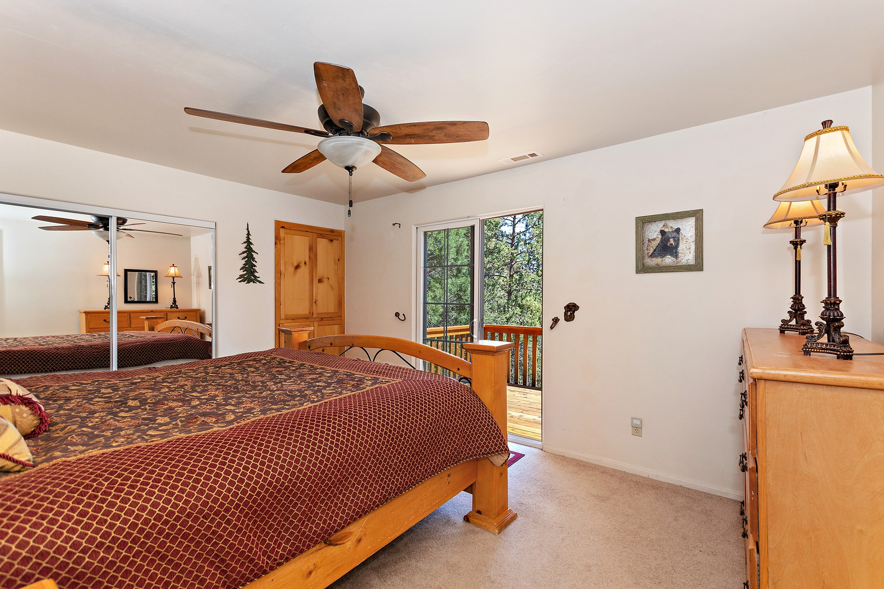 Additional photo for property listing at 705 Pine Lane, Sugarloaf, California, 92386 705 Pine Lane Sugarloaf, California 92386 United States