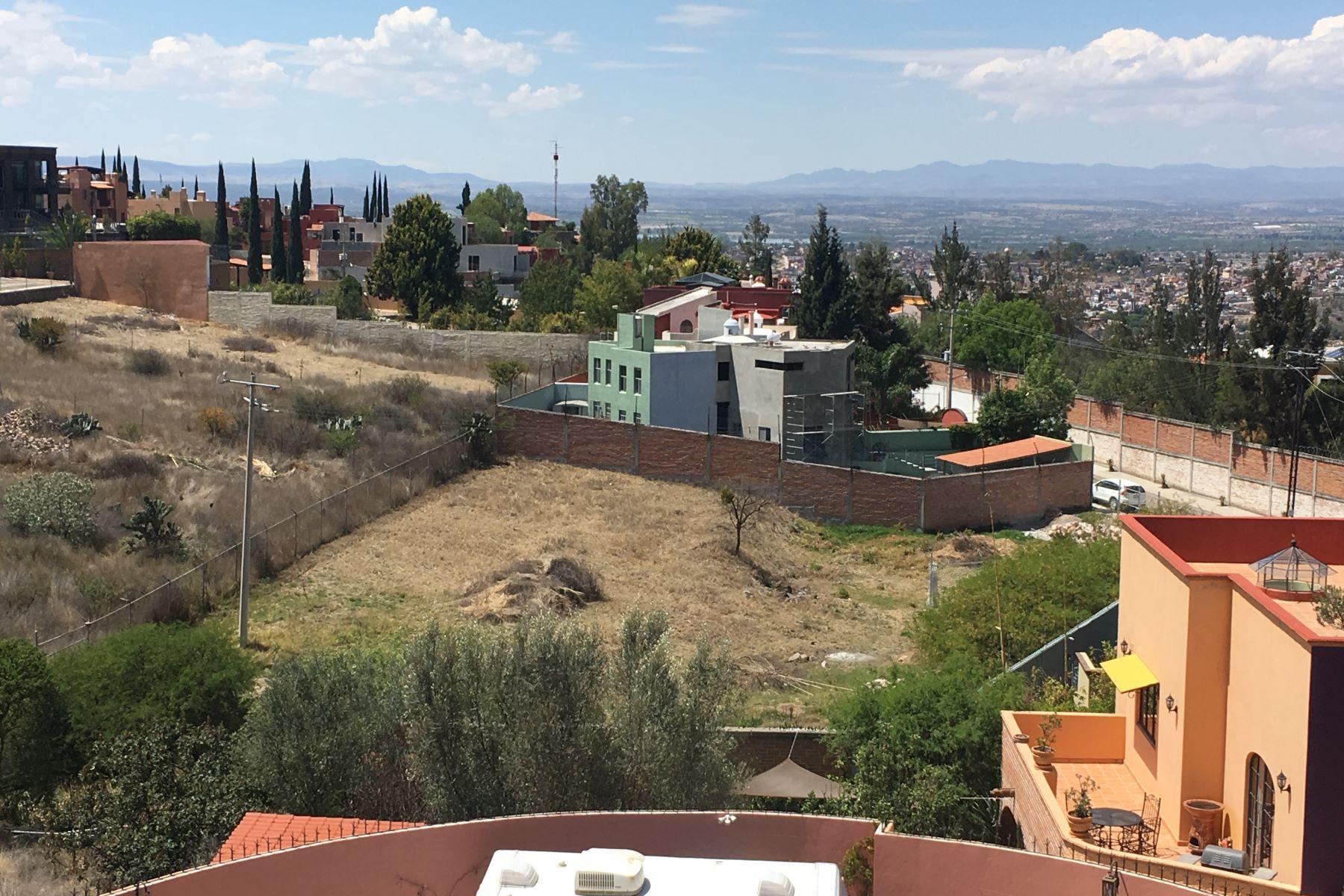 土地 为 销售 在 LOT PROLONGACION MONTITLAN Prolongación Montitlan 圣米格尔, 瓜纳华托, 37720 墨西哥