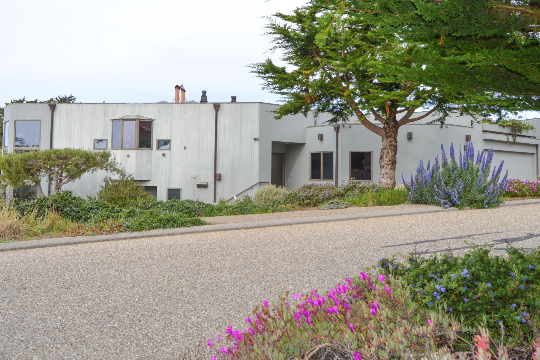 Single Family Homes for Sale at Ocean Front Artist Retreat 296 Stafford Street Cambria, California 93428 United States