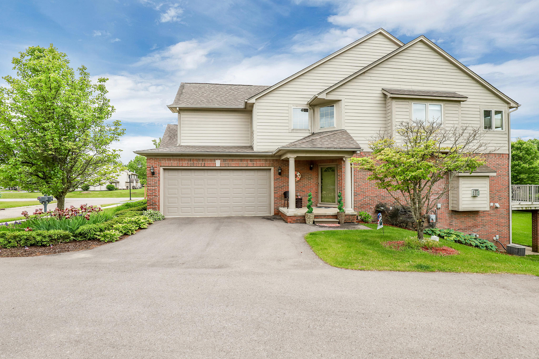 Condominiums for Active at Highland Township 1194 Alissa Marie Drive Highland Twp, Michigan 48357 United States