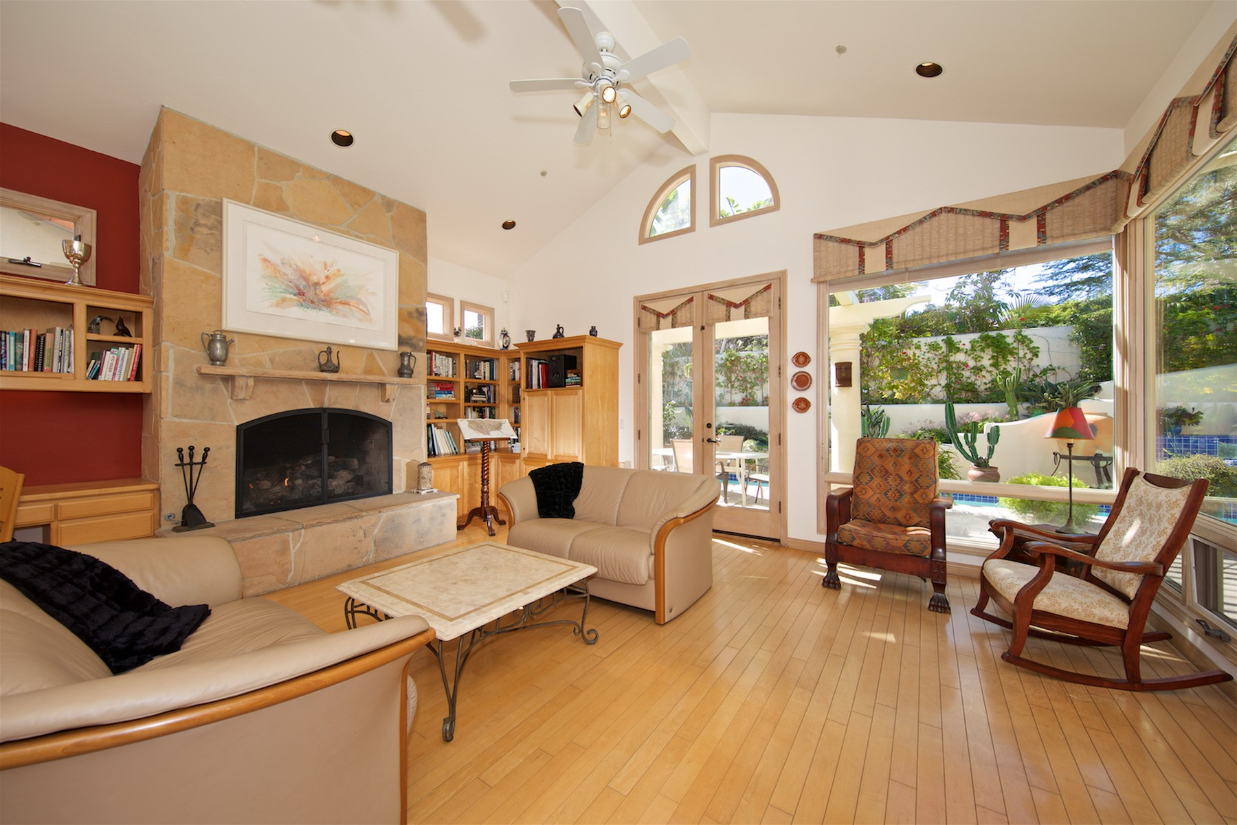 Additional photo for property listing at 664 Hymettus Avenue  Encinitas, California 92024 United States