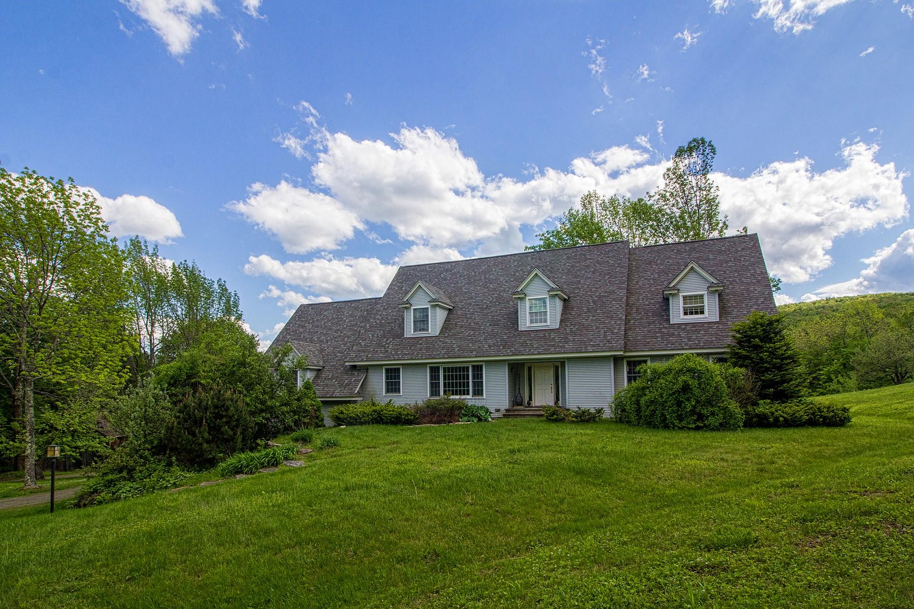 独户住宅 为 销售 在 136 Yeaw Road, Dover 136 Yeaw Rd, 多佛, 佛蒙特州, 05356 美国