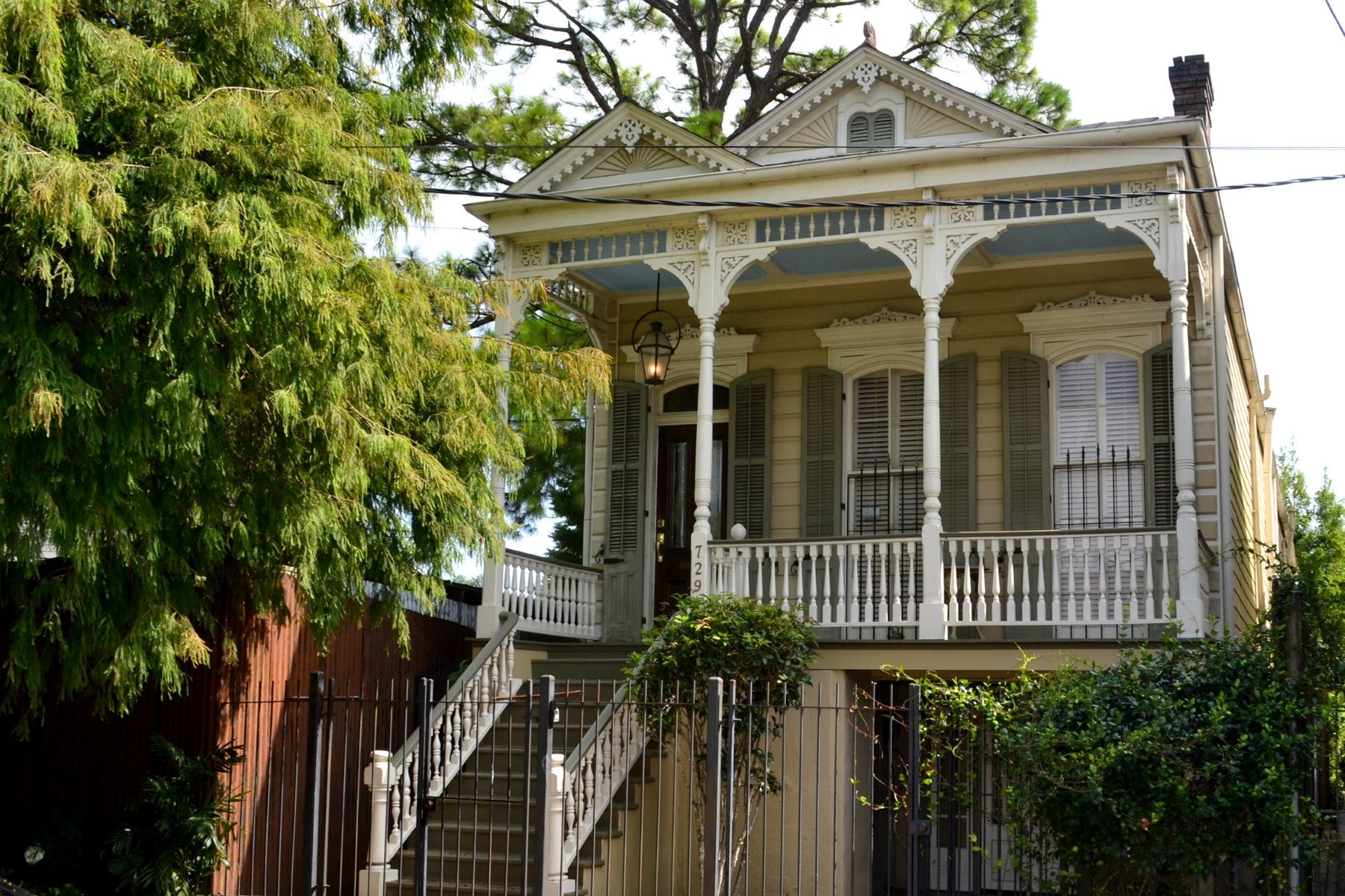 Single Family Homes por un Venta en 729 Kerlerec Street 729 Kerlerec St New Orleans, Louisiana 70116 Estados Unidos