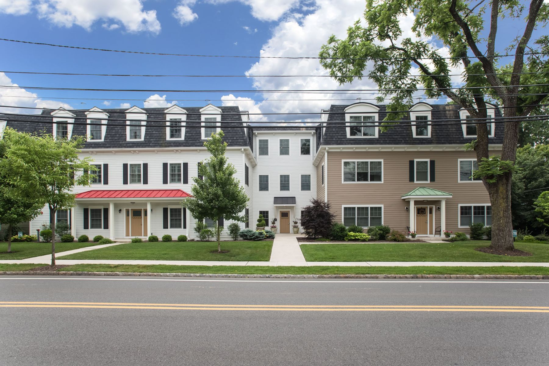Townhouse for Sale at Spacious luxury single floor condominium 25 Ridgedale Avenue, Unit 16 Madison, New Jersey, 07940 United States