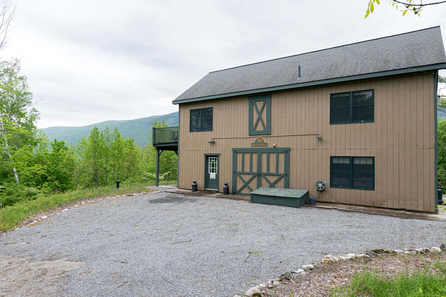 Single Family Homes for Sale at Charming Country Carriage House 831 Quarry Hill Rd Danby, Vermont 05739 United States