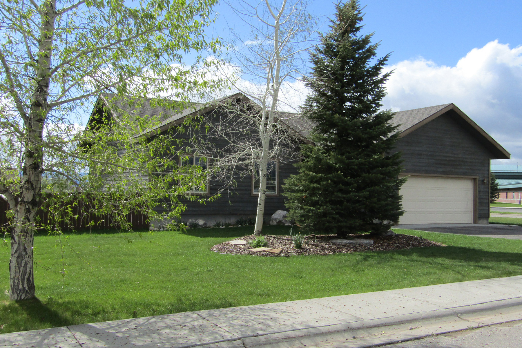 Single Family Home for Active at Newly Remodeled Driggs Home 685 Appaloosa Trl Driggs, Idaho 83422 United States