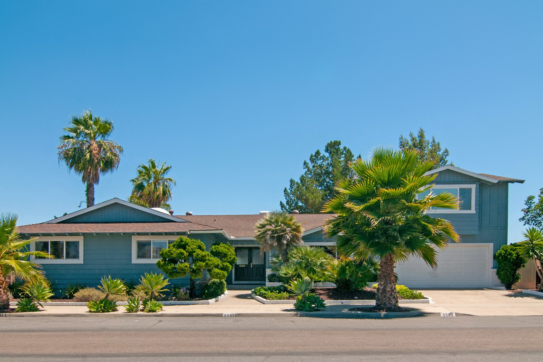 独户住宅 为 销售 在 5583 Del Cerro 5583 Del Cerro Blvd. Del Cerro, 圣地亚哥, 加利福尼亚州, 92120 美国