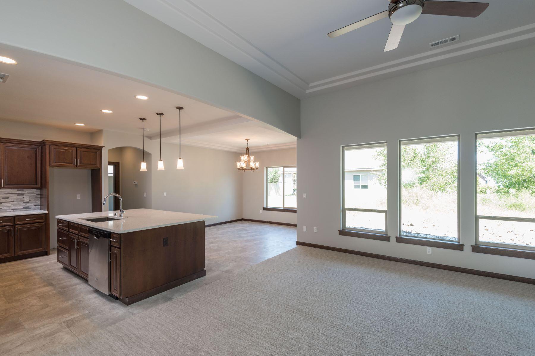 واحد منزل الأسرة للـ Sale في New 1 Story, 4 Bedroom, 2 Bath, Split Bedrooms, Stucco 3209 South Taft, Kennewick, Washington, 99338 United States