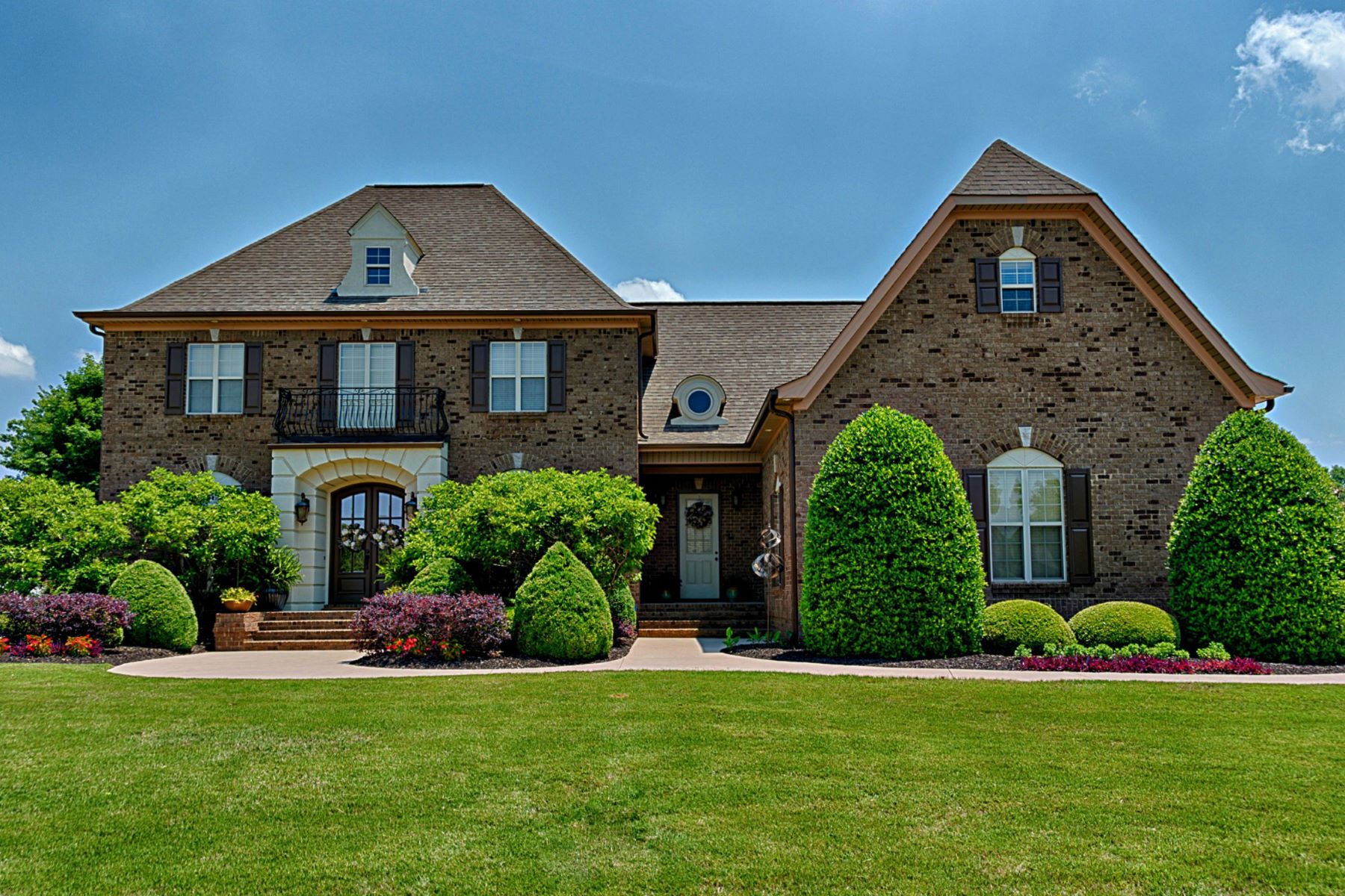 Single Family Home for Active at 12533 Elmhurst Drive Athens, Alabama 35613 United States