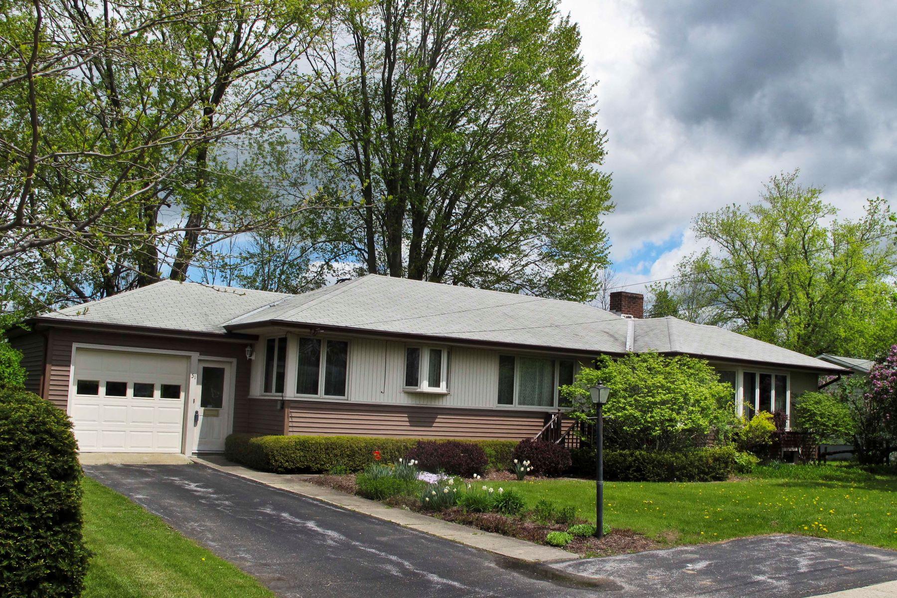 独户住宅 为 销售 在 51 New Haven Road, Vergennes 51 New Haven Rd 弗尔琴尼斯, 佛蒙特州, 05491 美国