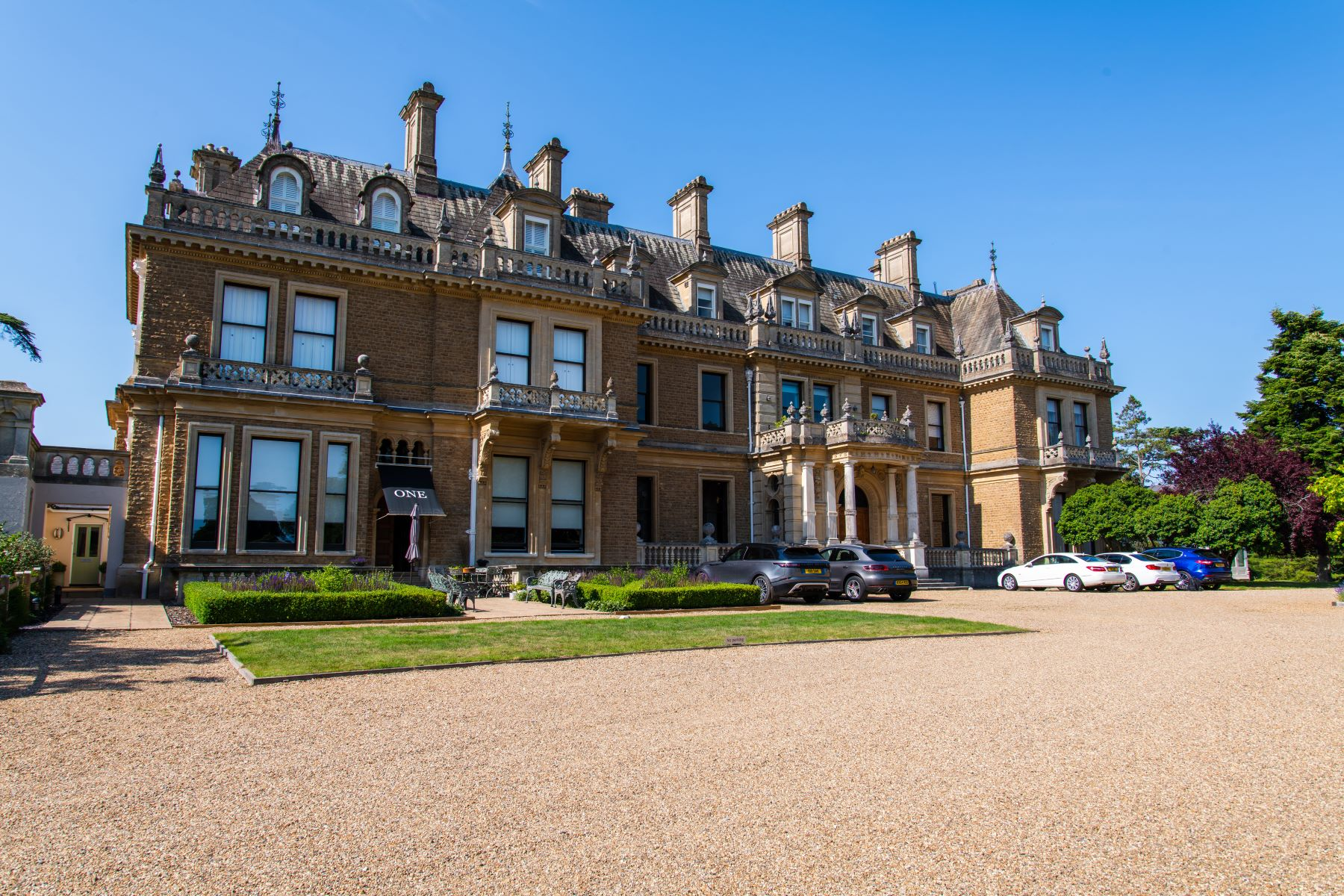 Apartments for Sale at 6 The Mansion Cobham Park Cobham, England KT11 3LE United Kingdom