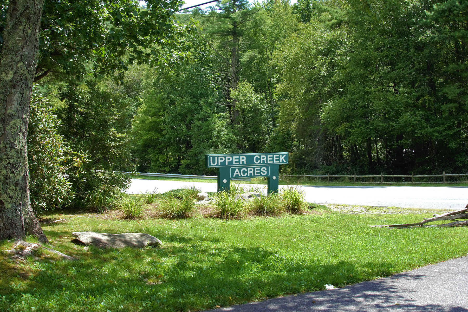 Land for Active at UPPER CREEK ACRES - NEWLAND 6192 Hemlock Ln Newland, North Carolina 28641 United States