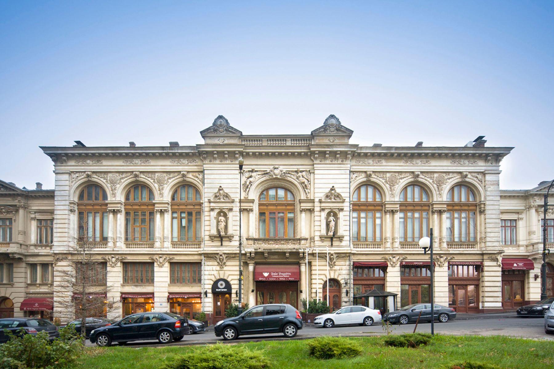 Single Family Homes por un Venta en BRAGADIRU PALACE AND GARDENS Bucharest, Bucharest Romania