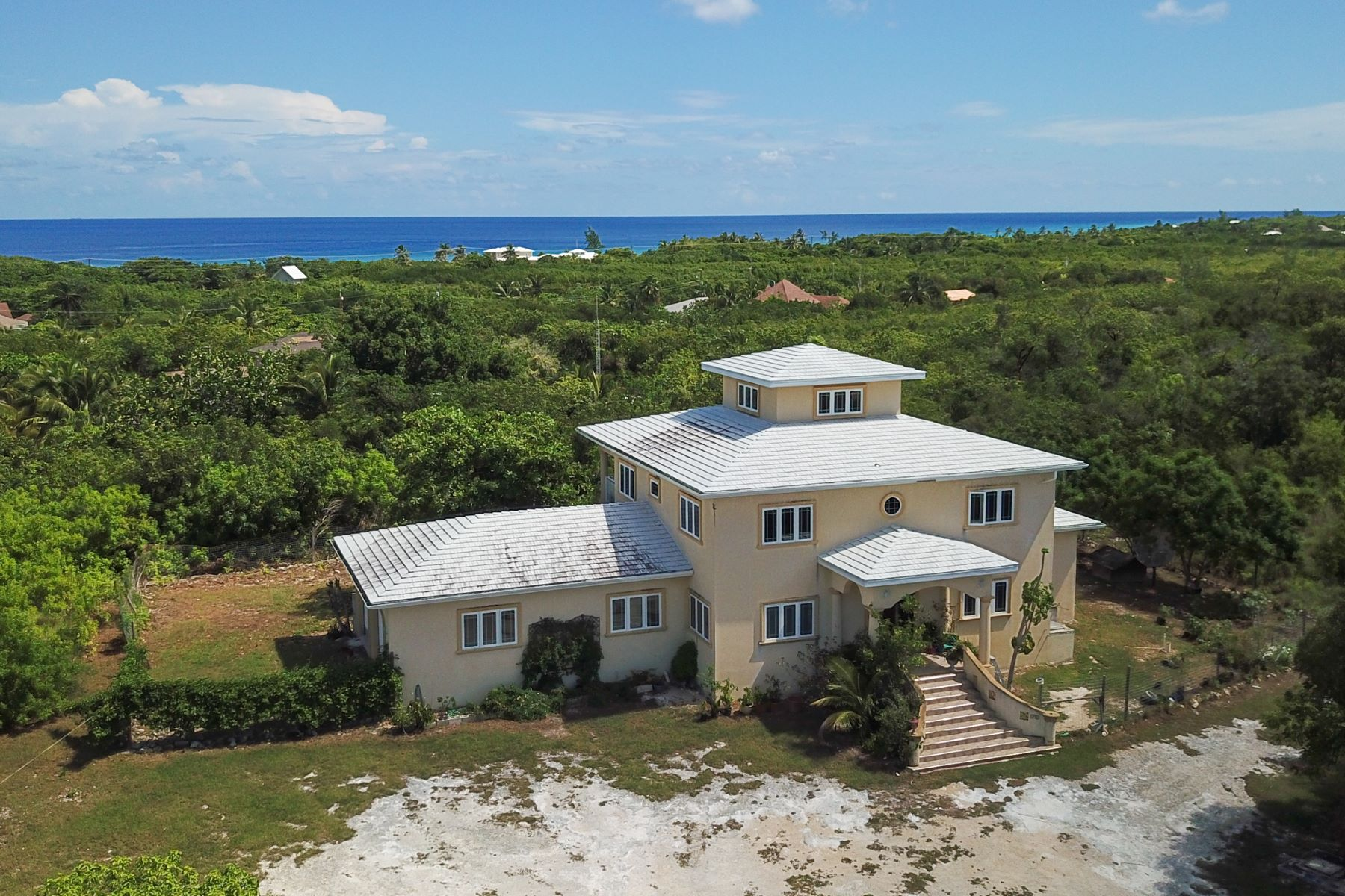 Additional photo for property listing at Frank Sound Home Frank Sound, Gran Caimán Islas Caimán