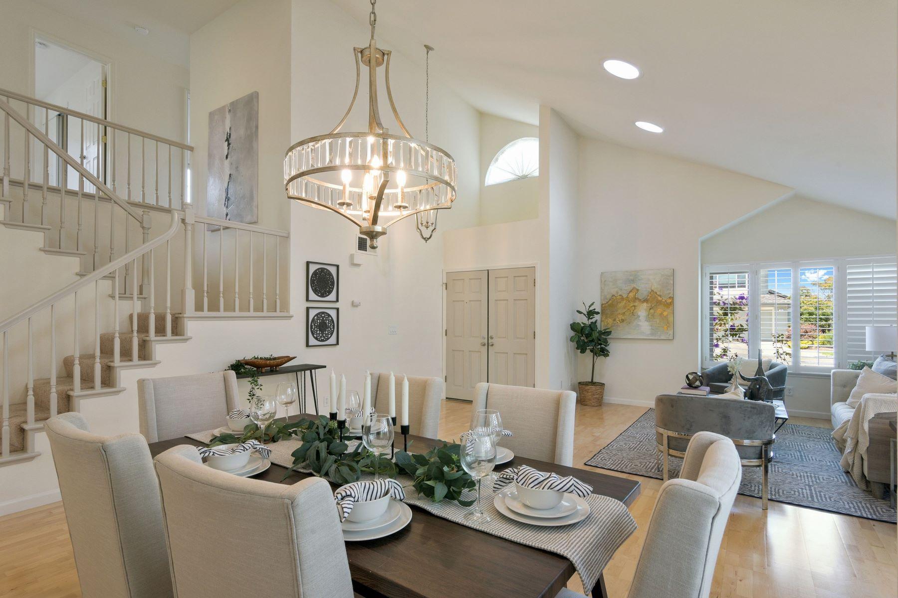 Single Family Homes for Active at Effortlessly Elegant Bay Farm Island Gem 168 Oldcastle Lane Alameda, California 94505 United States