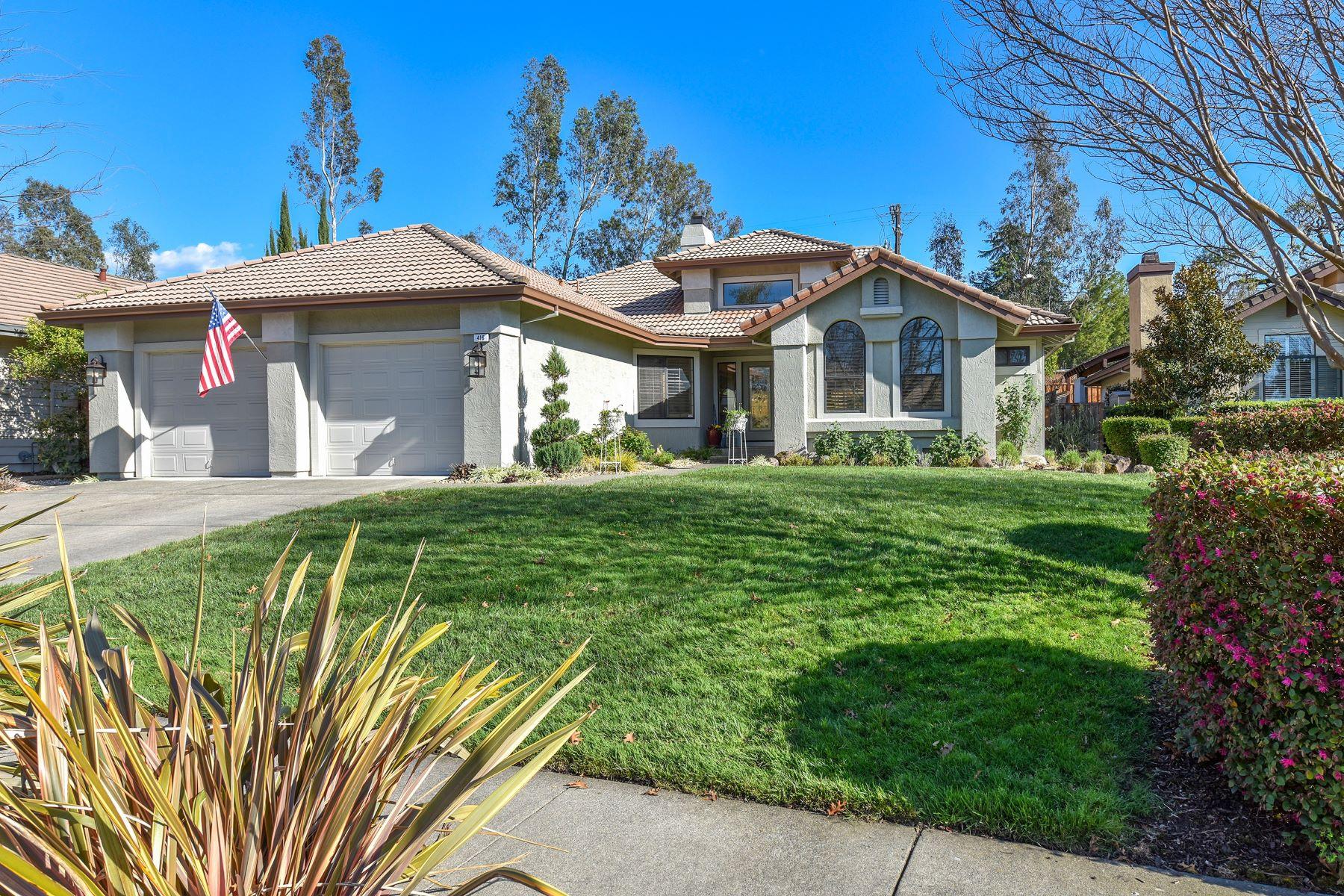 Single Family Homes para Venda às Exquisite Silverado Springs Remodel 416 Troon Drive, Napa, Califórnia 94558 Estados Unidos