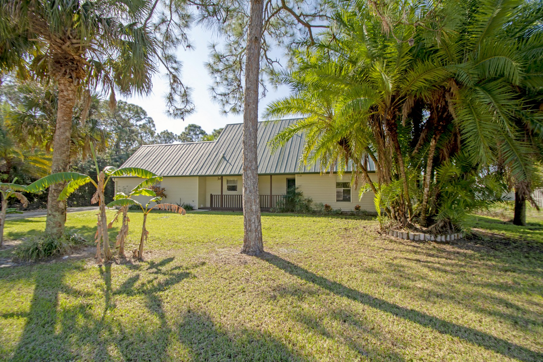 Single Family Home for Sale at Newly Renovated Home on Double Lot 9685 26th St Vero Beach, Florida 32966 United States