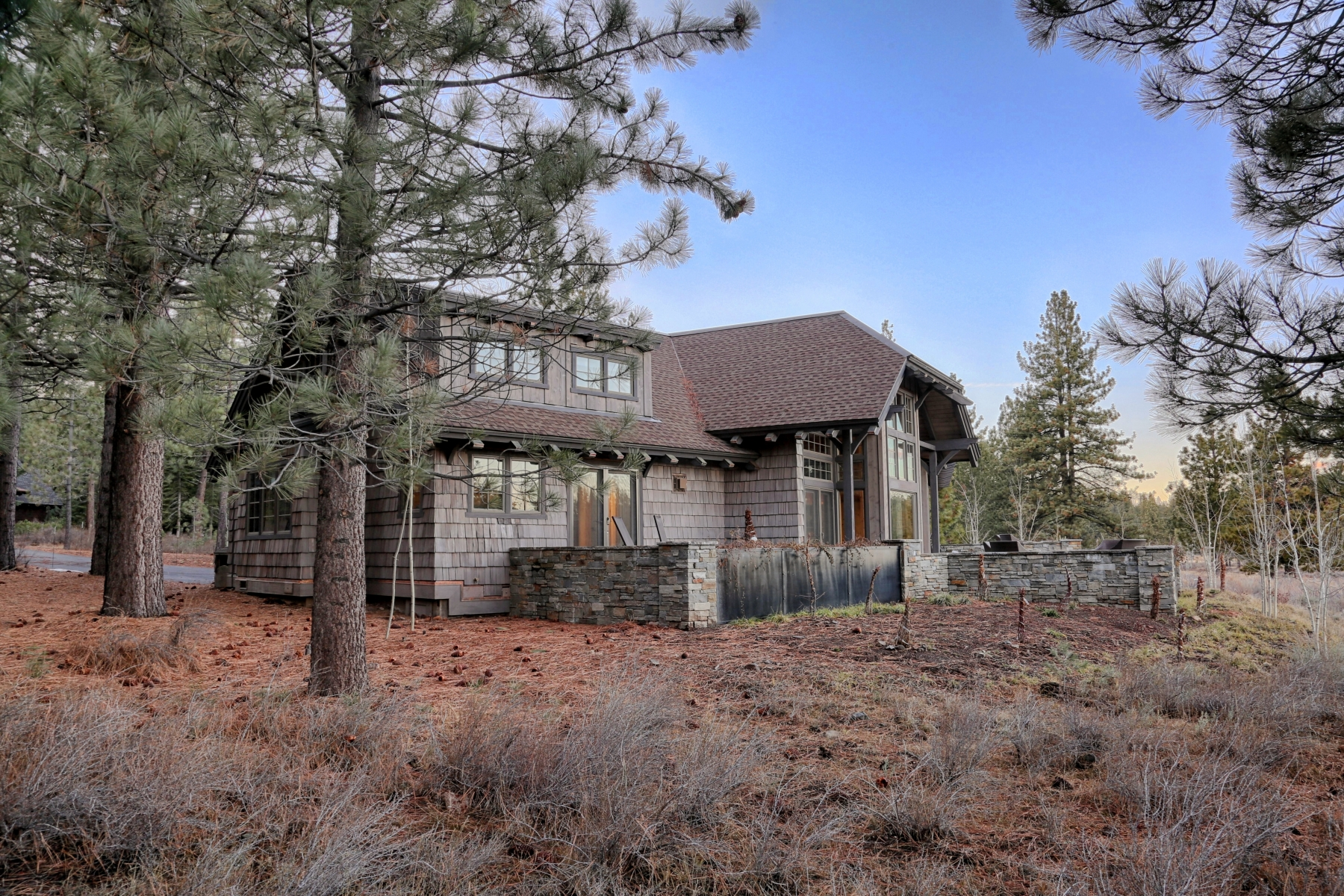 Additional photo for property listing at 930 Paul Doyle, Truckee, CA 96161 930 Paul Doyle Truckee, California 96161 United States