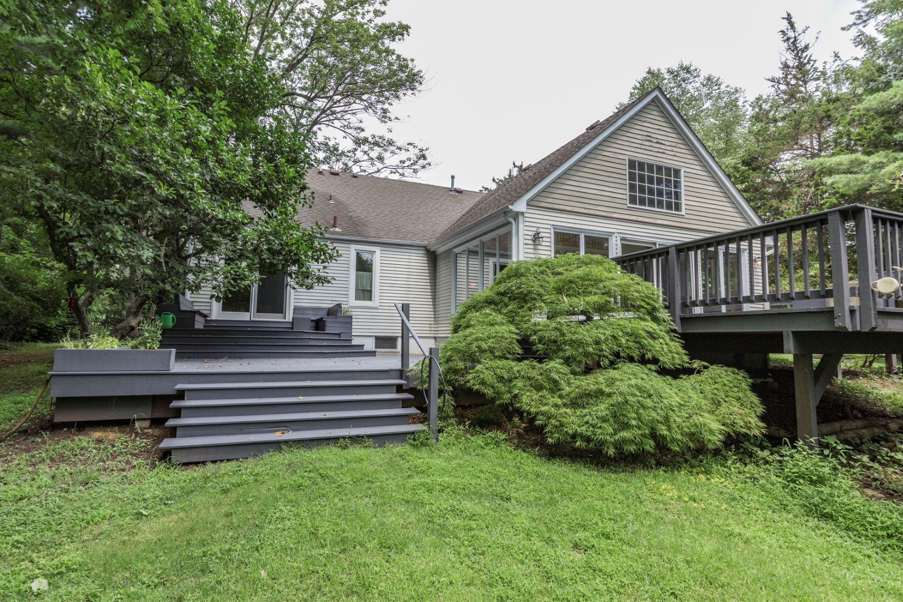 Additional photo for property listing at Filled to the Brim with Warmth and Character 661 Rosedale Road, Princeton, New Jersey 08540 United States