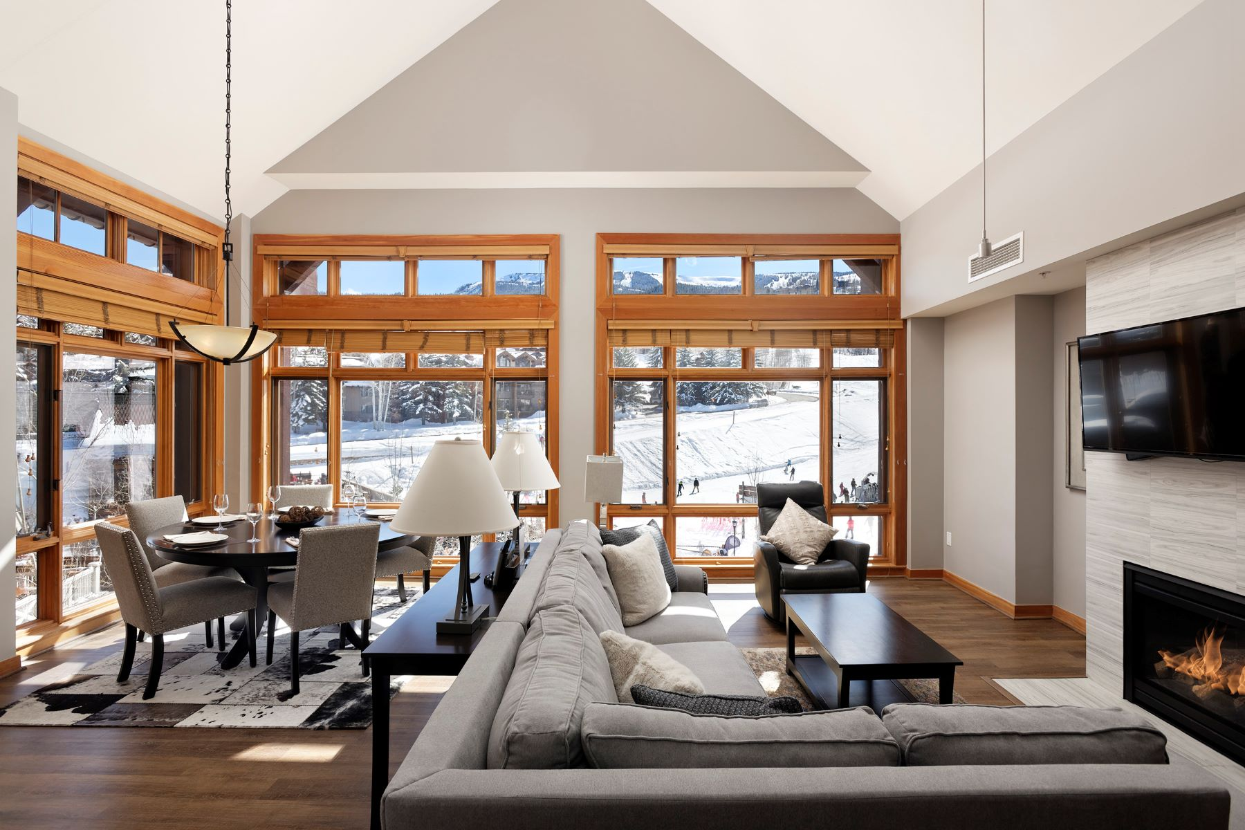 Apartments для того Продажа на Capitol Peak Lodge 110 Carriage Way, 3404, Snowmass Village, Колорадо 81615 Соединенные Штаты