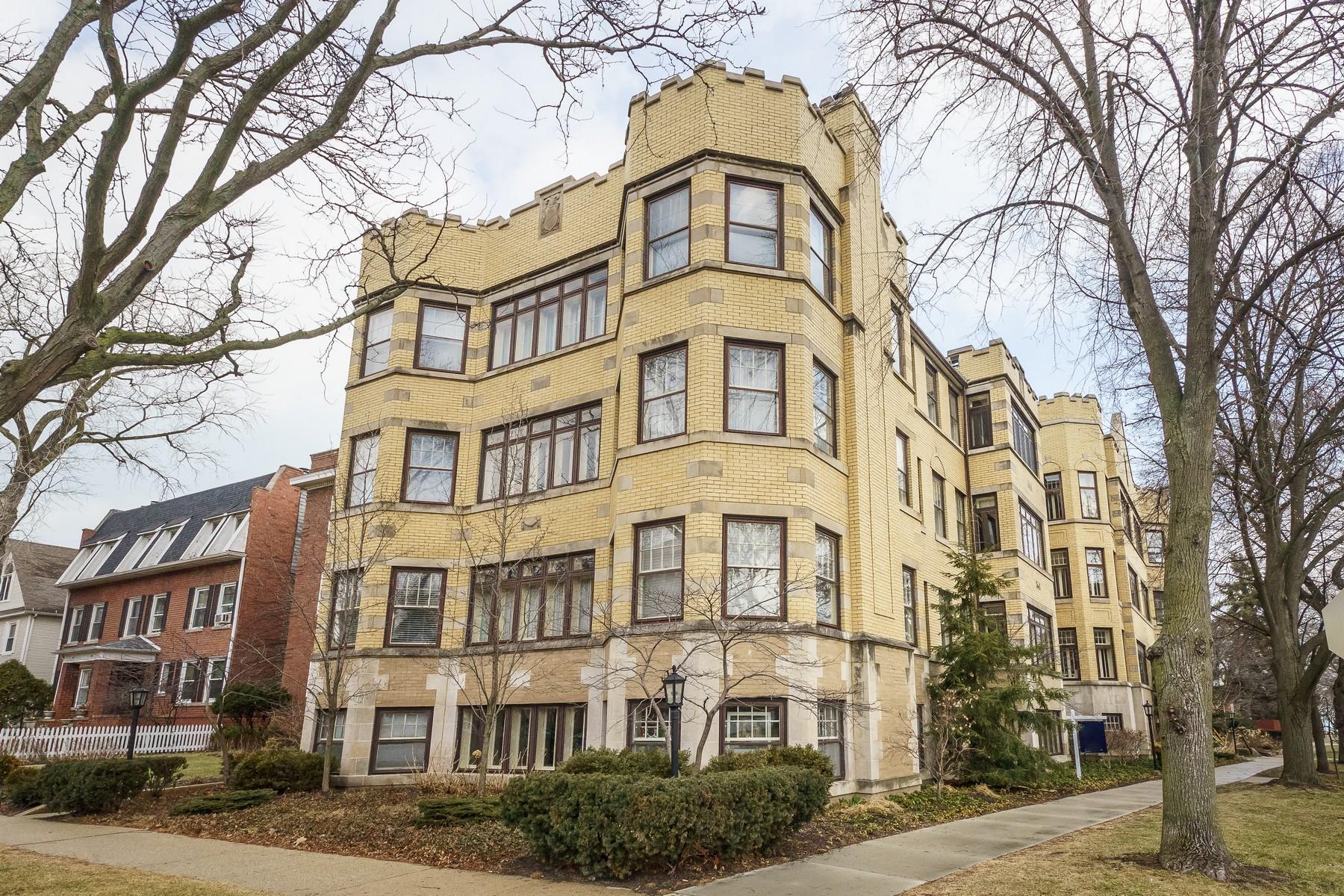단독 가정 주택 용 매매 에 Bright and spacious 131 Kedzie Street, Unit G, Evanston, 일리노이즈, 60202 미국