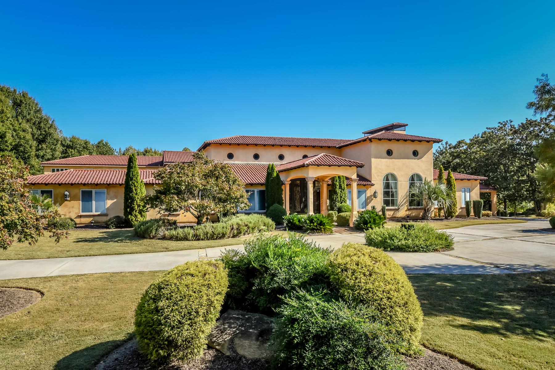 Casa Unifamiliar por un Venta en Luxurious Mediterranean Home 9440 Riverclub Parkway Johns Creek, Georgia, 30097 Estados Unidos