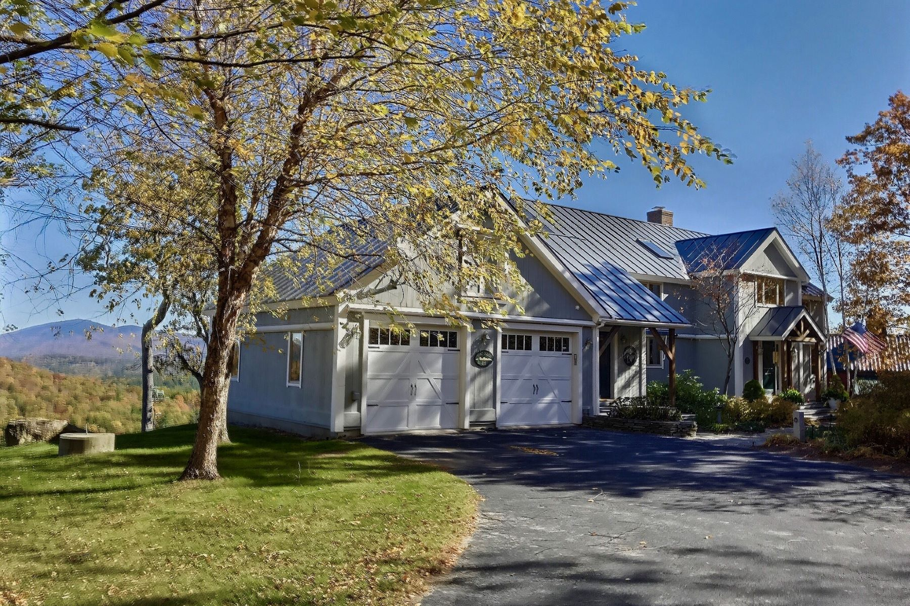 Single Family Homes for Sale at 28 Eastridge Road, Newbury 28 Eastridge Rd Newbury, New Hampshire 03255 United States