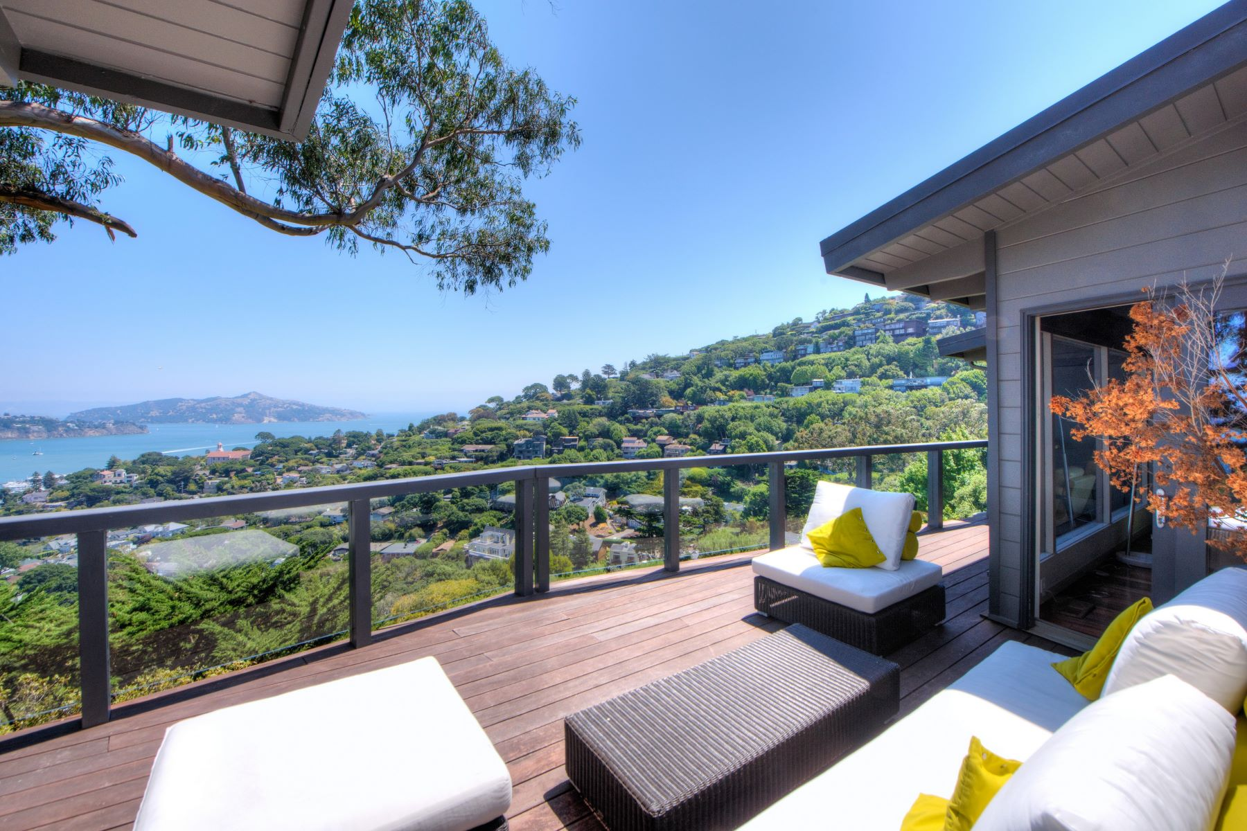 Additional photo for property listing at Contemporary with Stunning Bay Views! 51 George Lane Sausalito, Калифорния 94965 Соединенные Штаты