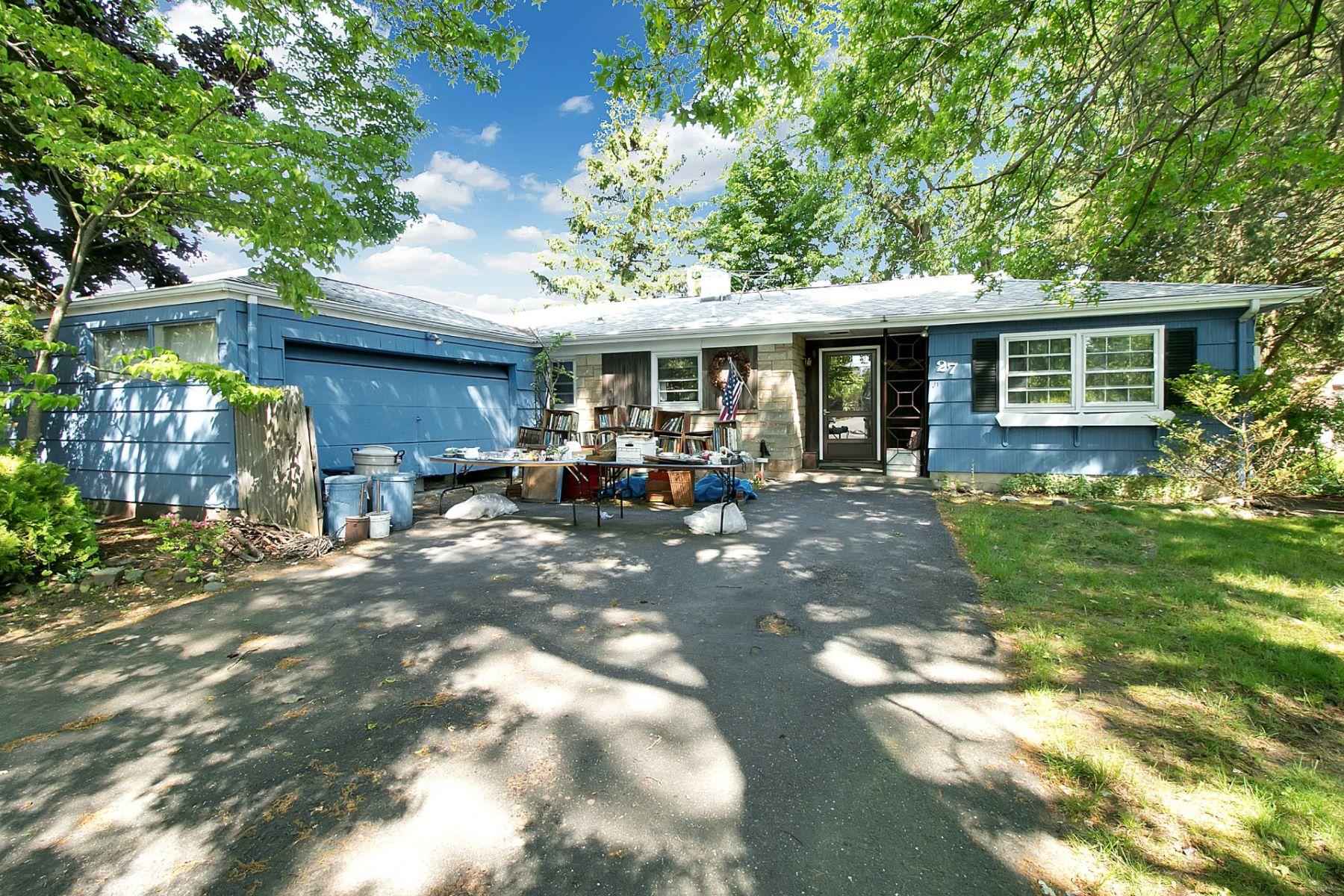 Casa Unifamiliar por un Venta en One Floor Living 27 Sullivan Dr. Emerson, Nueva Jersey 07630 Estados Unidos