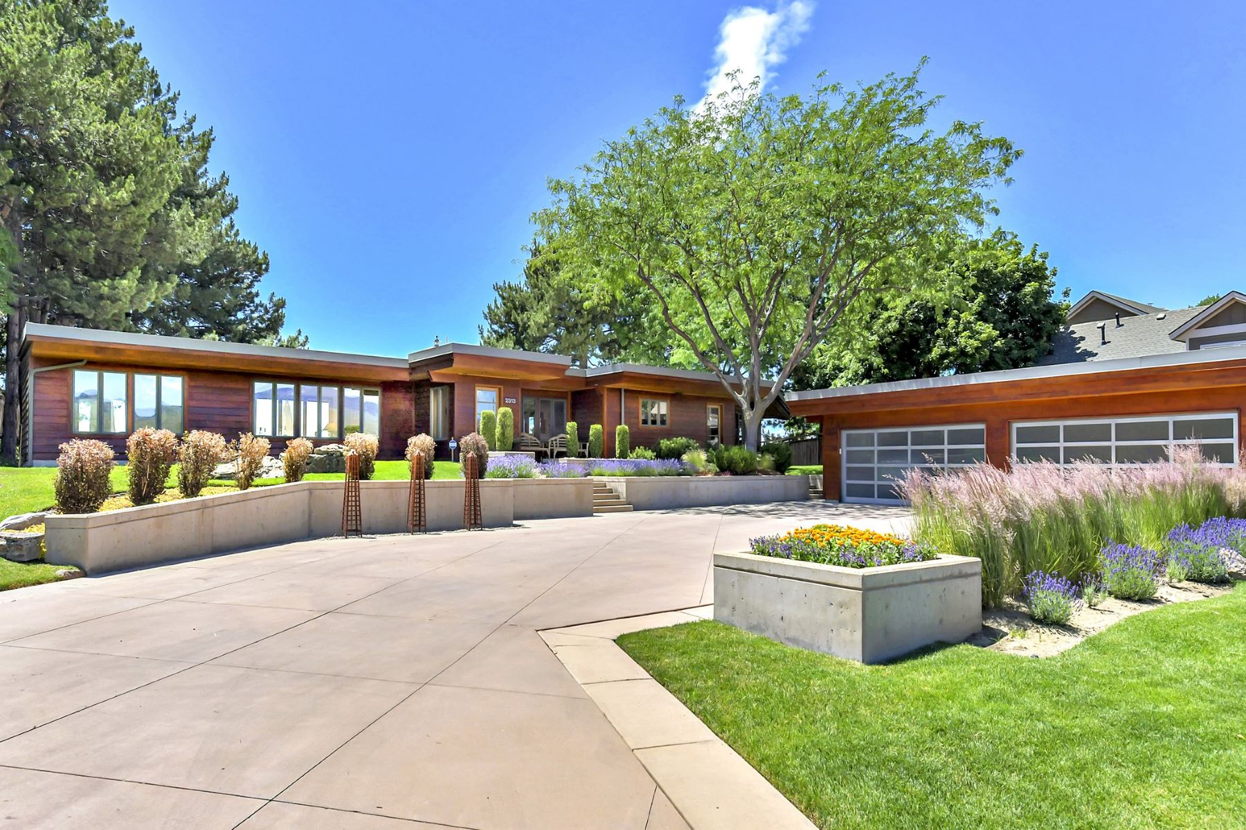 Single Family Homes for Sale at 2313 Claremont Drive, Boise 2313 N Claremont Dr Boise, Idaho 83702 United States