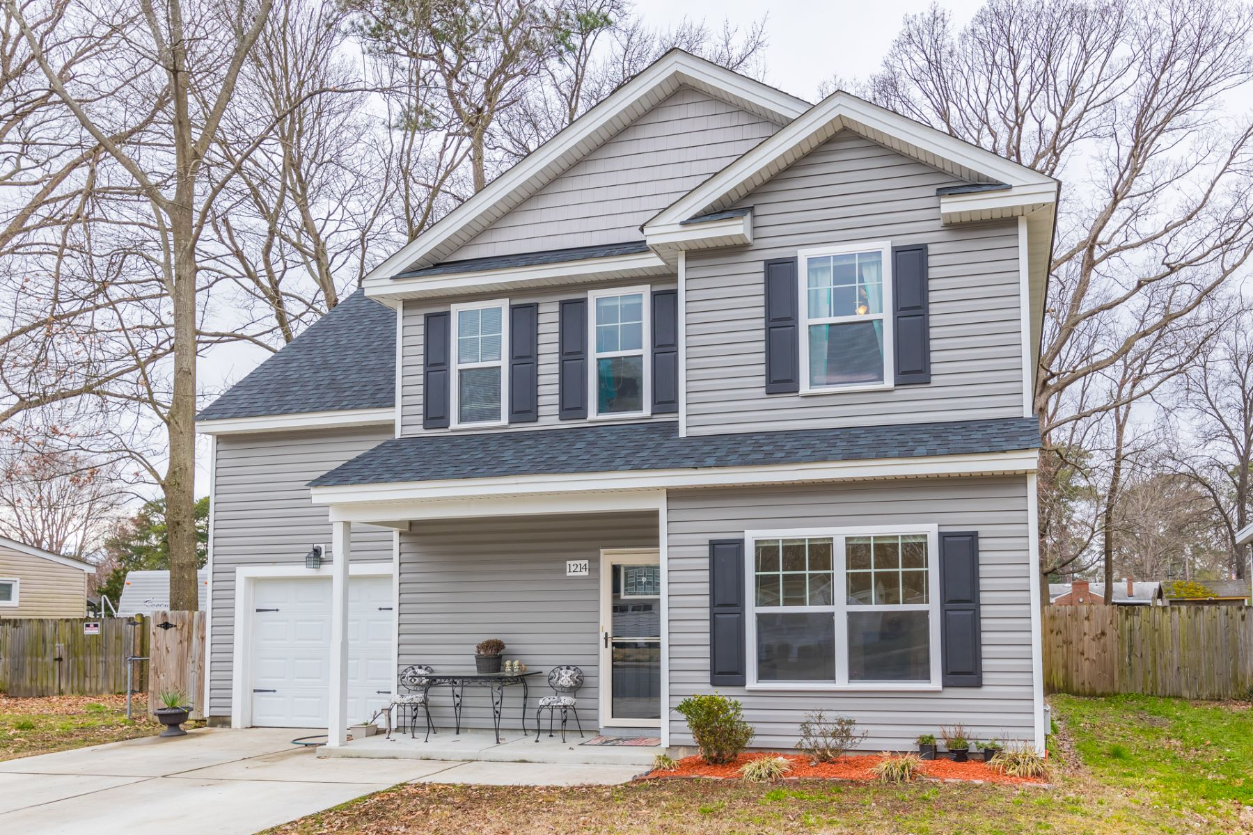 Single Family Home for Sale at NORFOLK HIGHLANDS 1214 Sparrow Road Chesapeake, Virginia 23325 United States