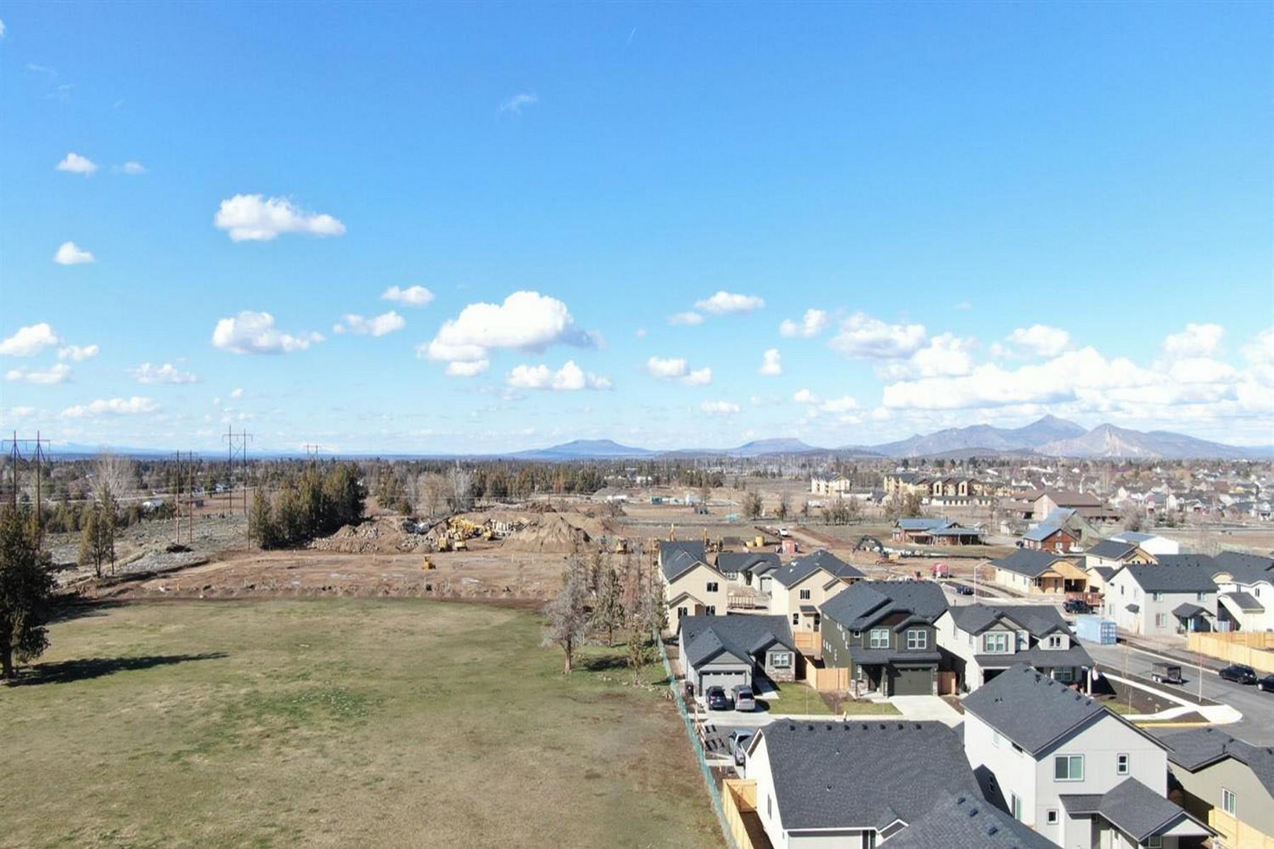 Land for Active at 3799 SW Quartz Avenue Redmond, OR 97756 3799 SW Quartz Avenue Redmond, Oregon 97756 United States
