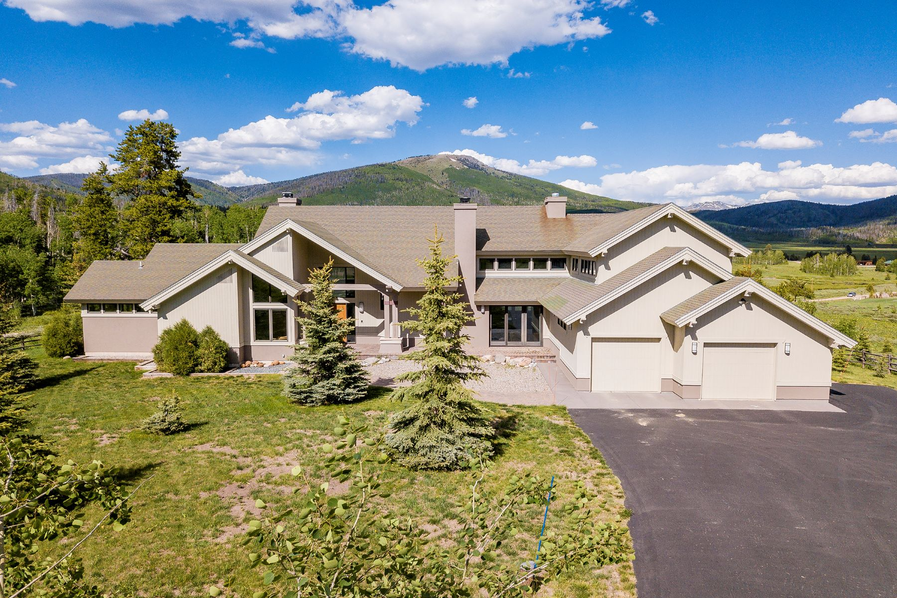 Single Family Home for Active at Pearl Lake Retreat 27350 Kelsie Court Clark, Colorado 80428 United States